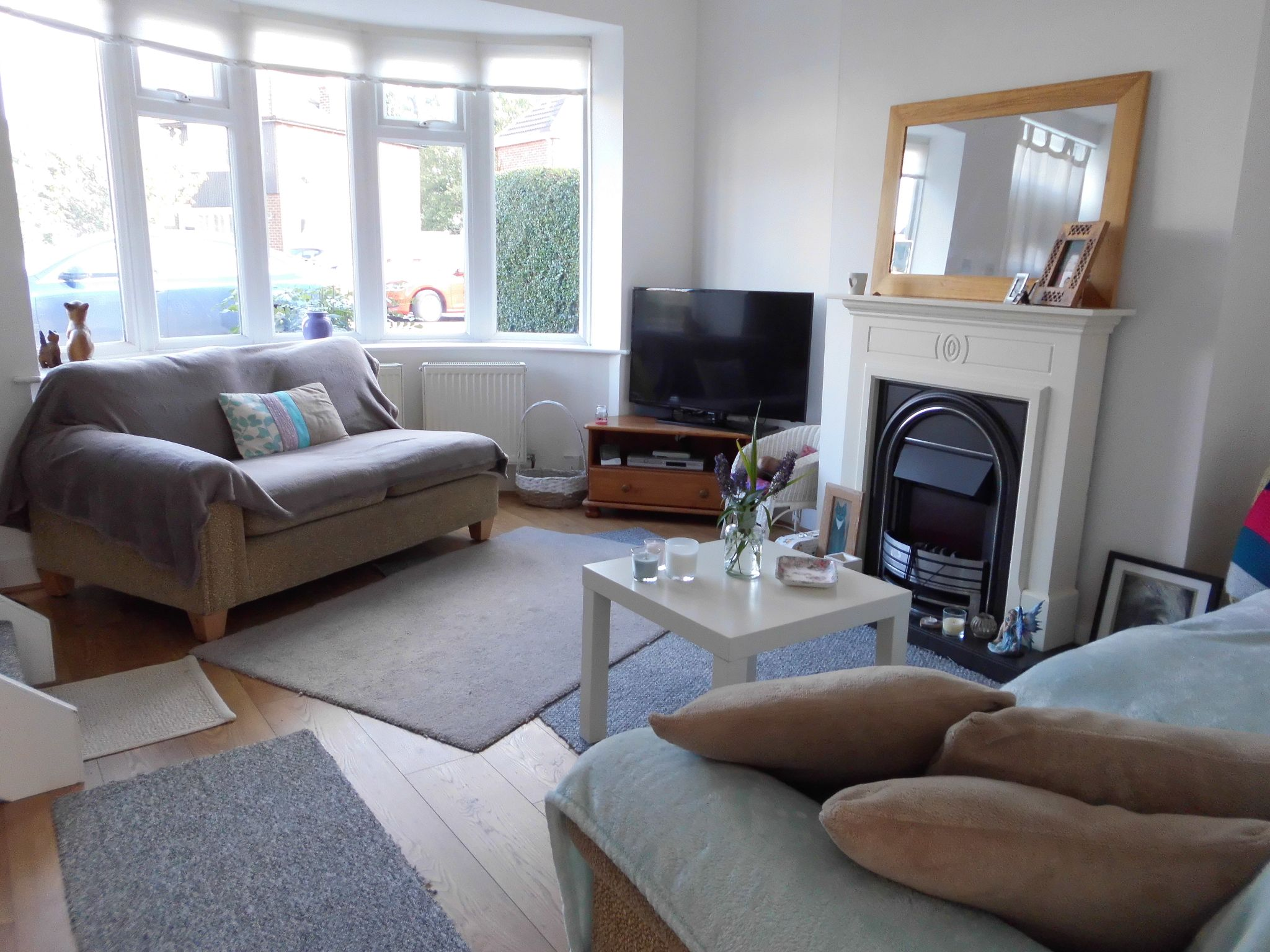 3 bedroom town house SSTC in Leicester - Photograph 2.