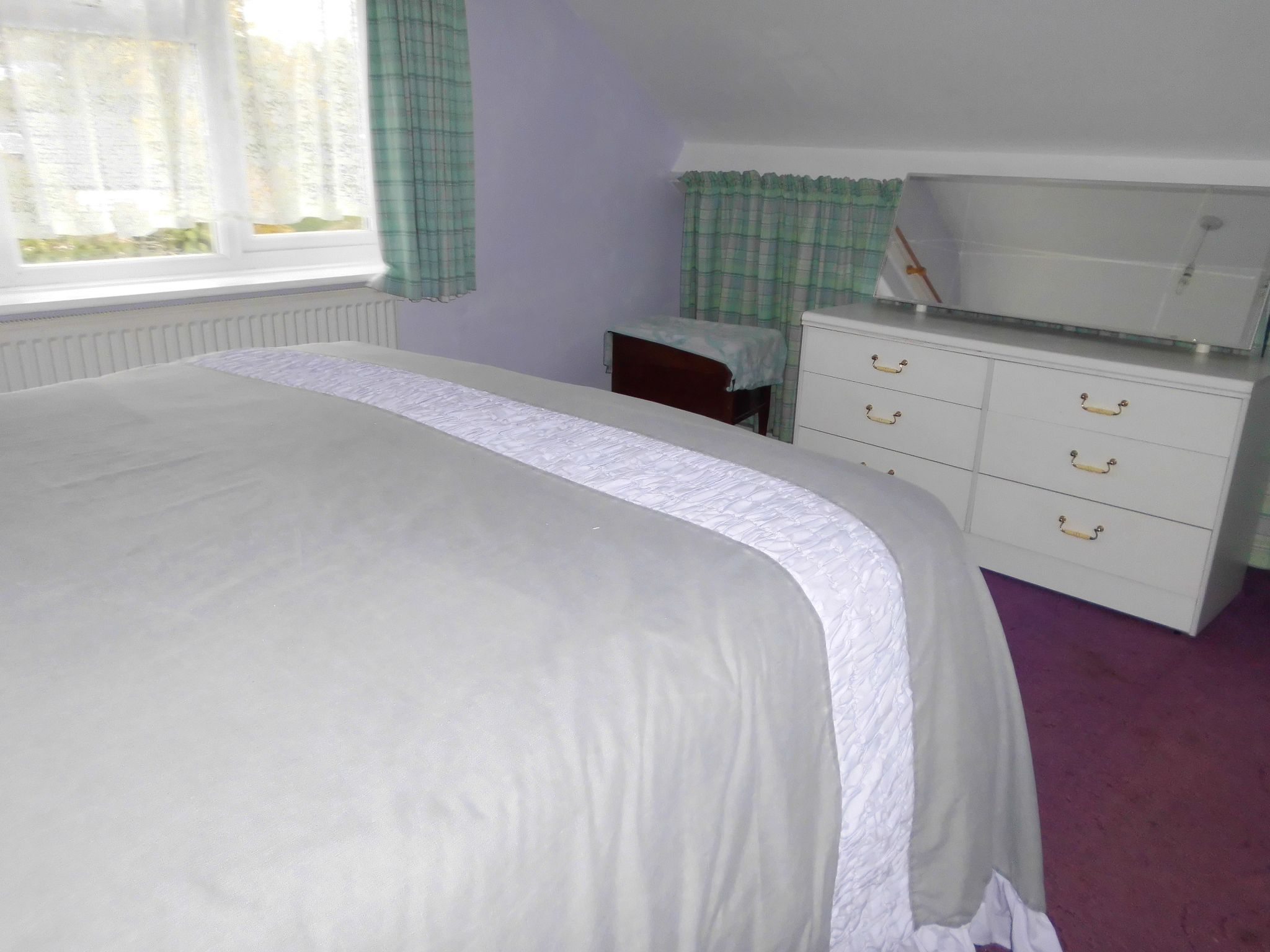 4 bedroom detached bungalow SSTC in Leicester - Photograph 10.