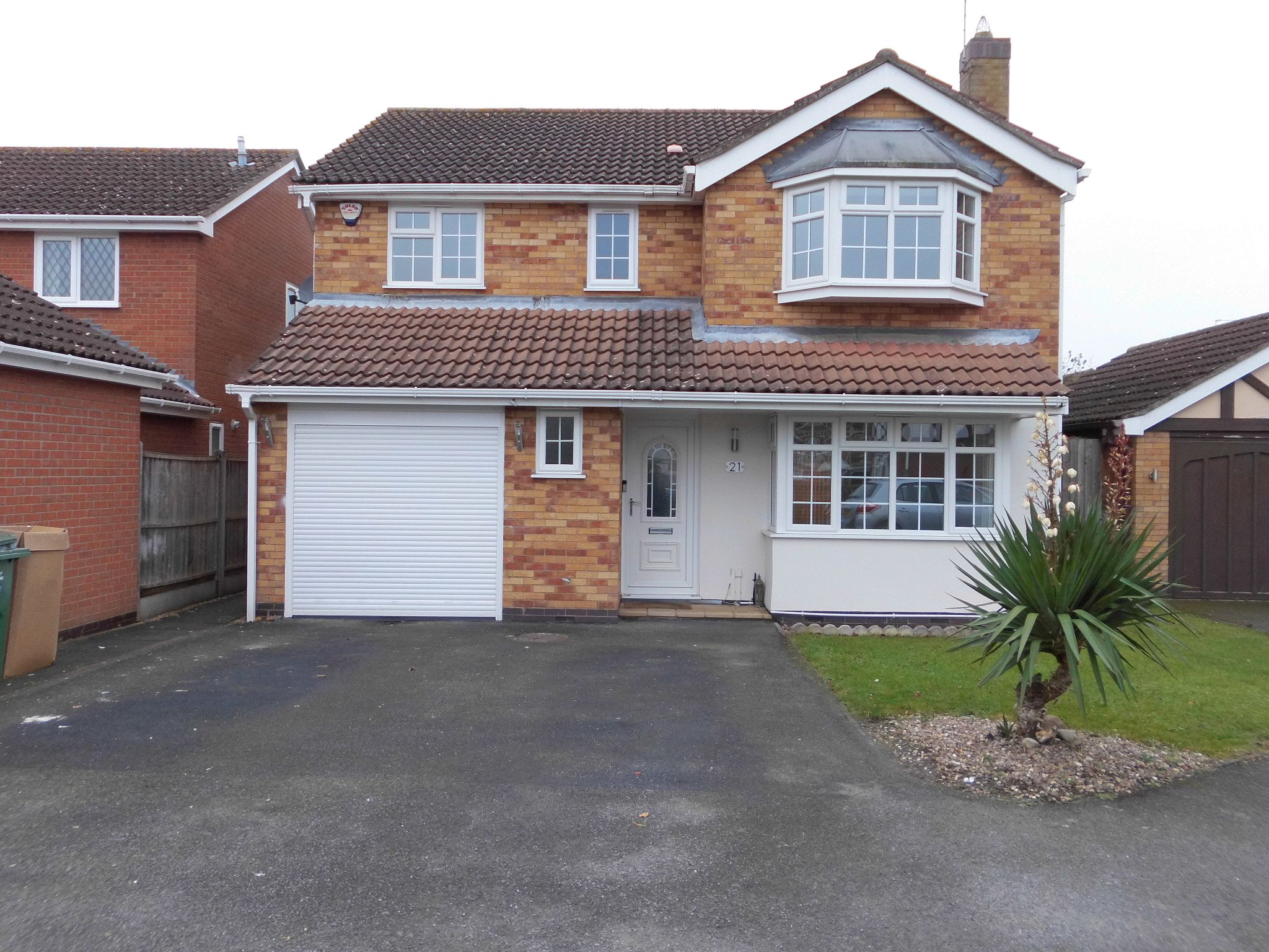 4 bedroom detached house Sold in Leicester - Photograph 1.