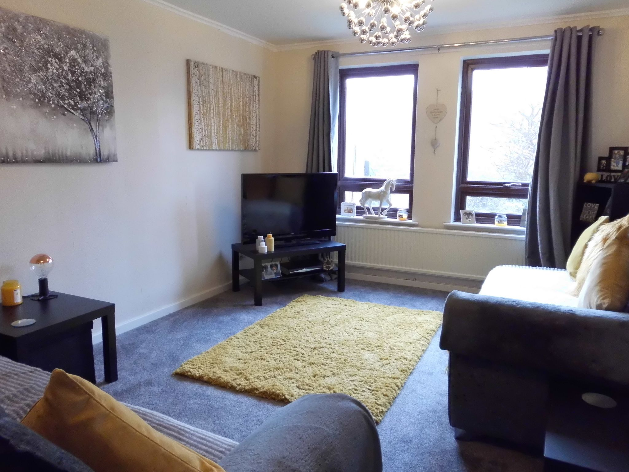 3 bedroom town house For Sale in Leicester - Photograph 3.