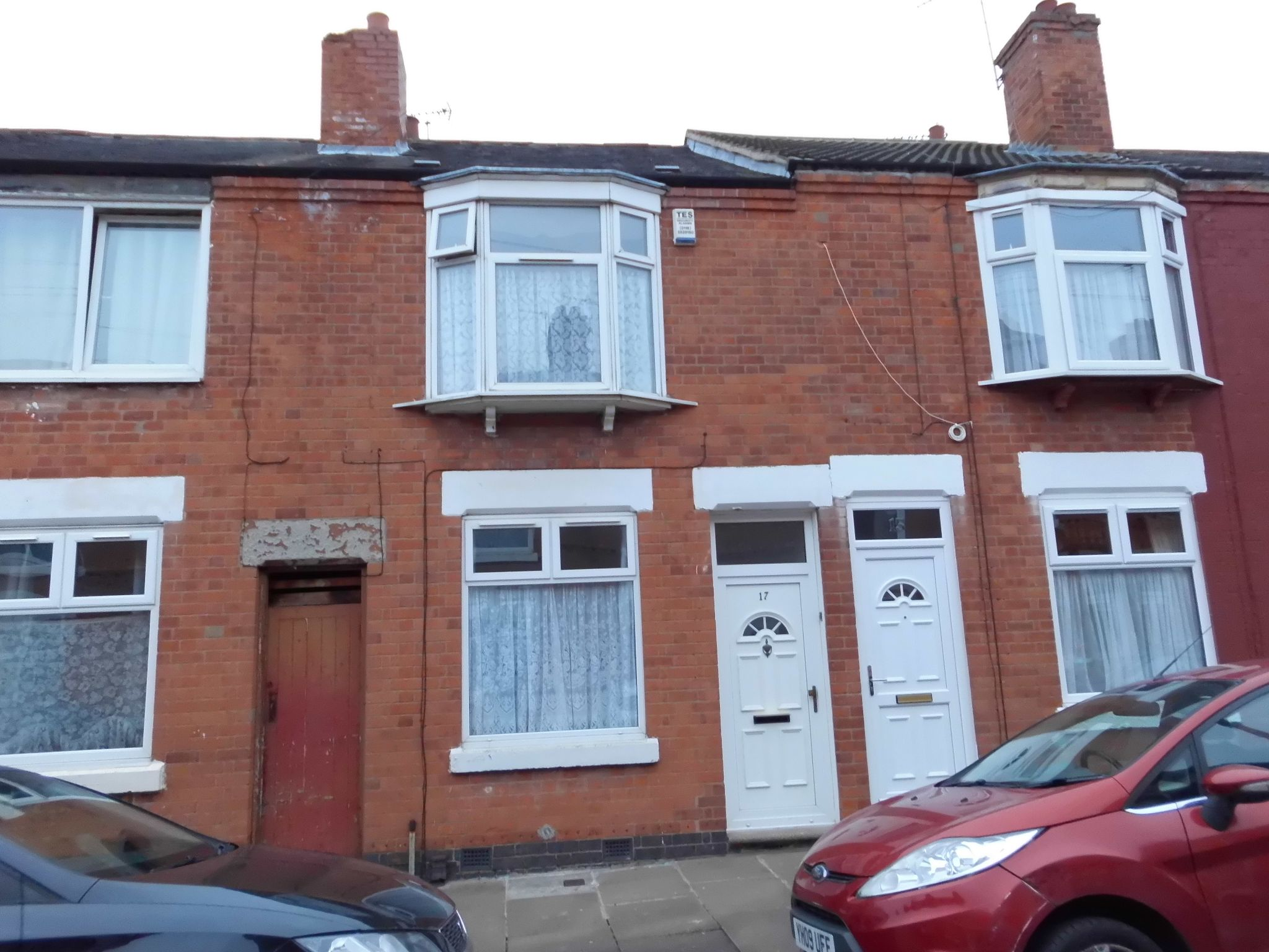 3 bedroom mid terraced house SSTC in Leicester - Property photograph.