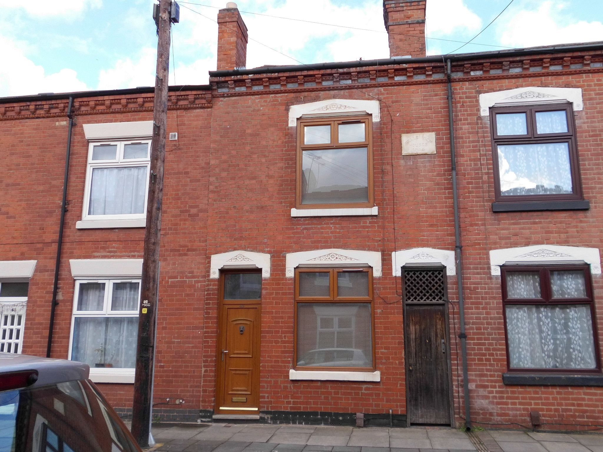 2 bedroom mid terraced house For Sale in Leicester - Photograph 1.
