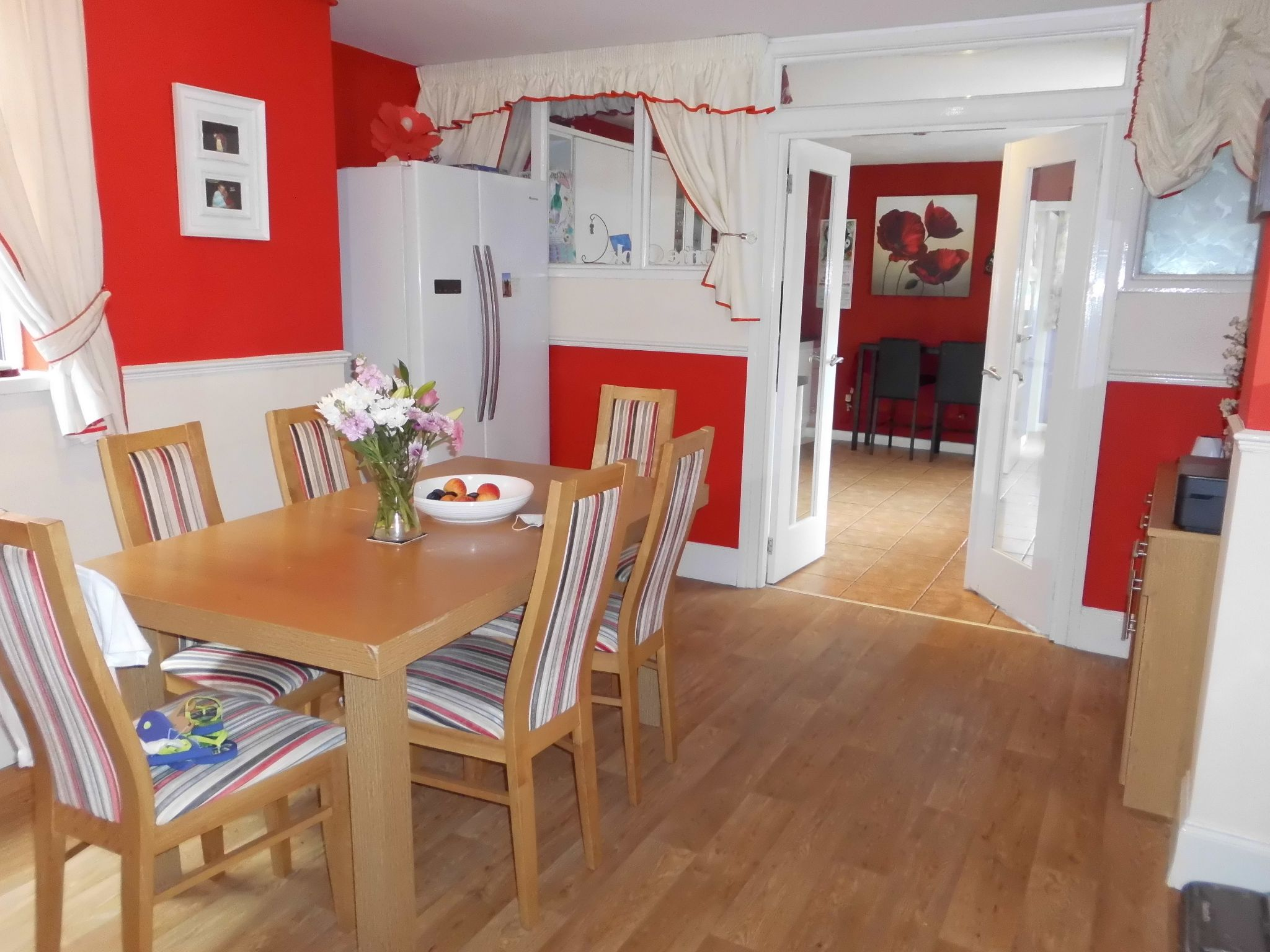4 bedroom detached house For Sale in Leicester - Photograph 5.
