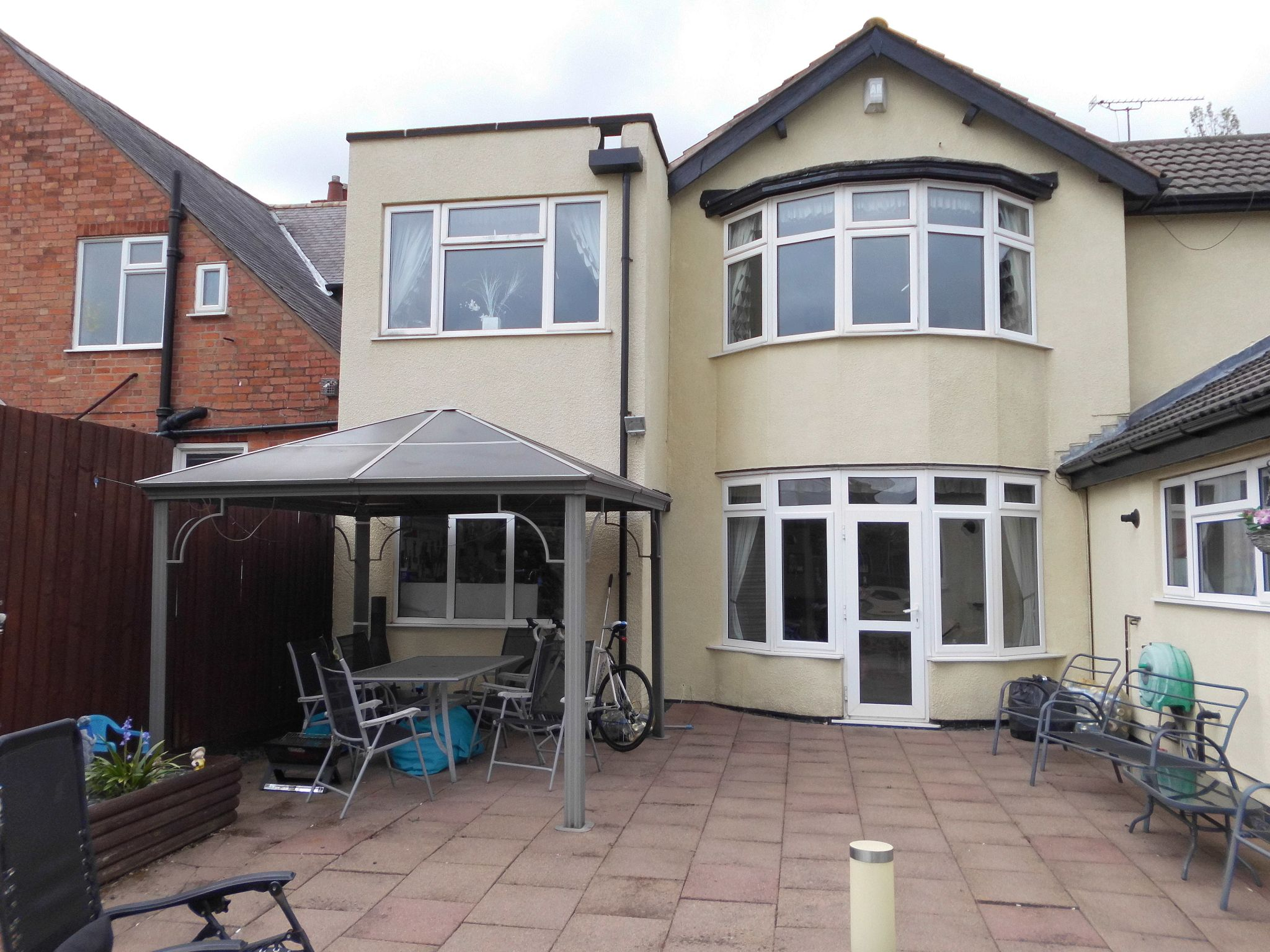 4 bedroom detached house For Sale in Leicester - Photograph 21.