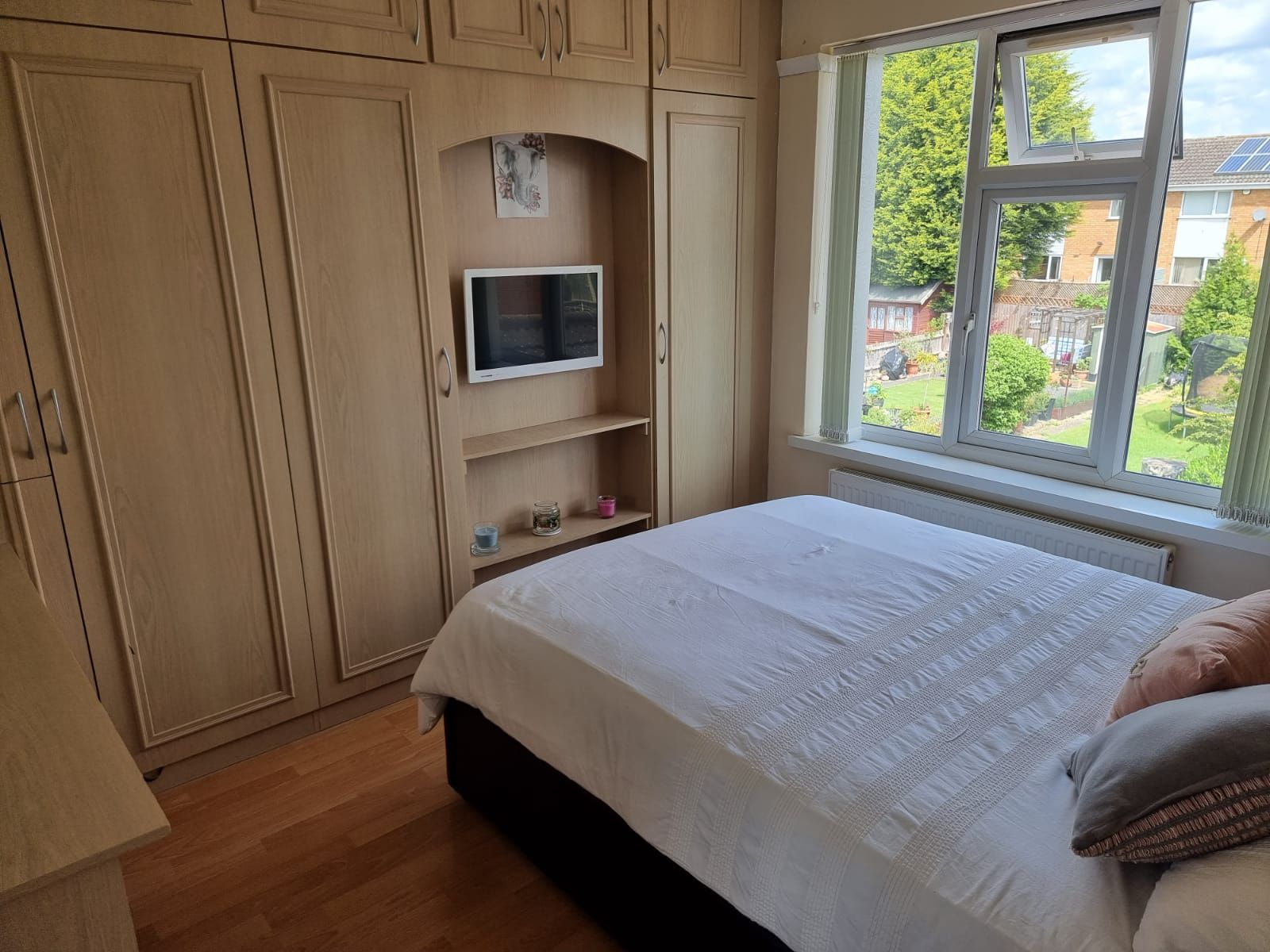 3 bedroom semi-detached house SSTC in Leicester - Photograph 7.