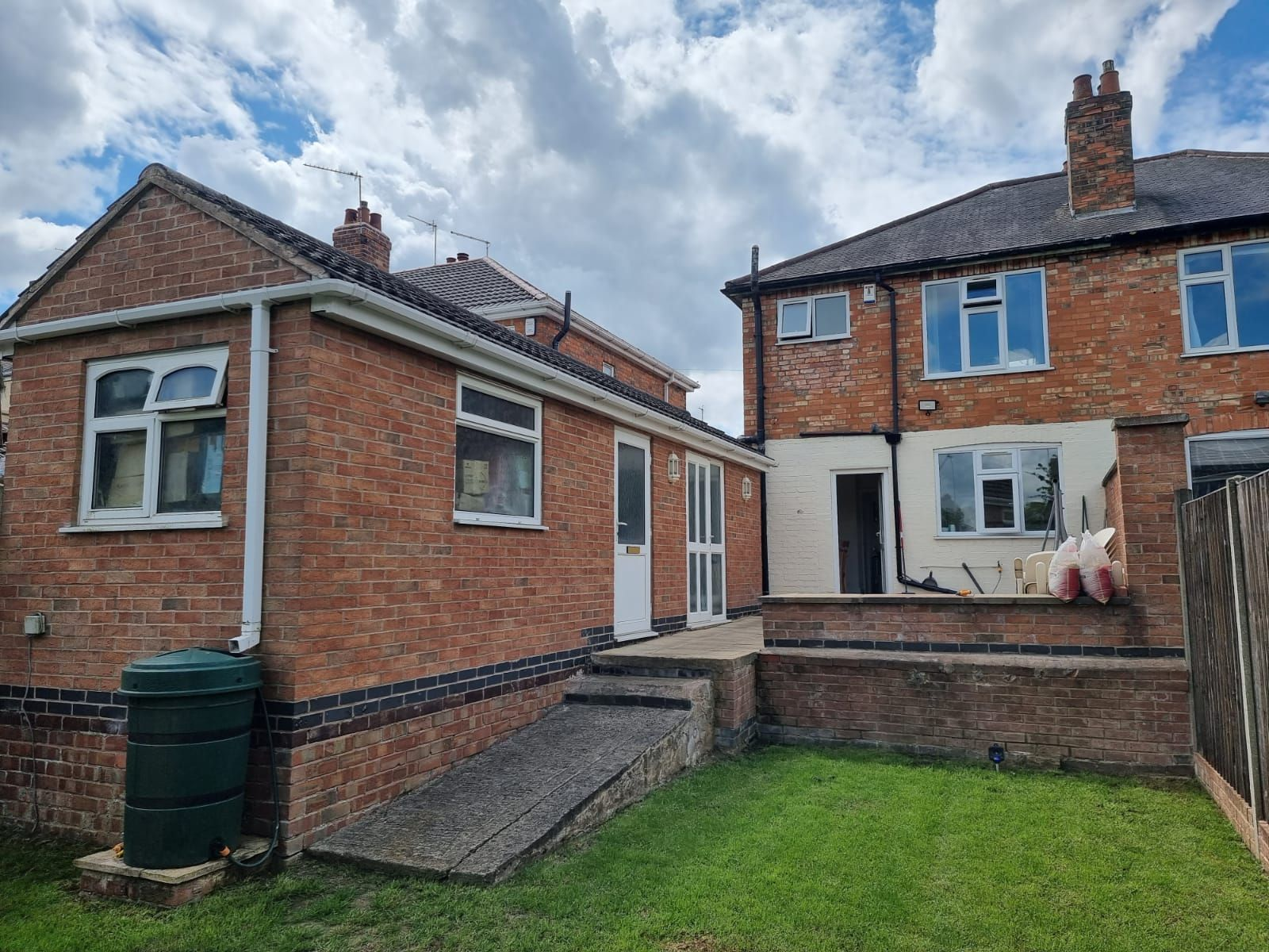 3 bedroom semi-detached house SSTC in Leicester - Photograph 16.