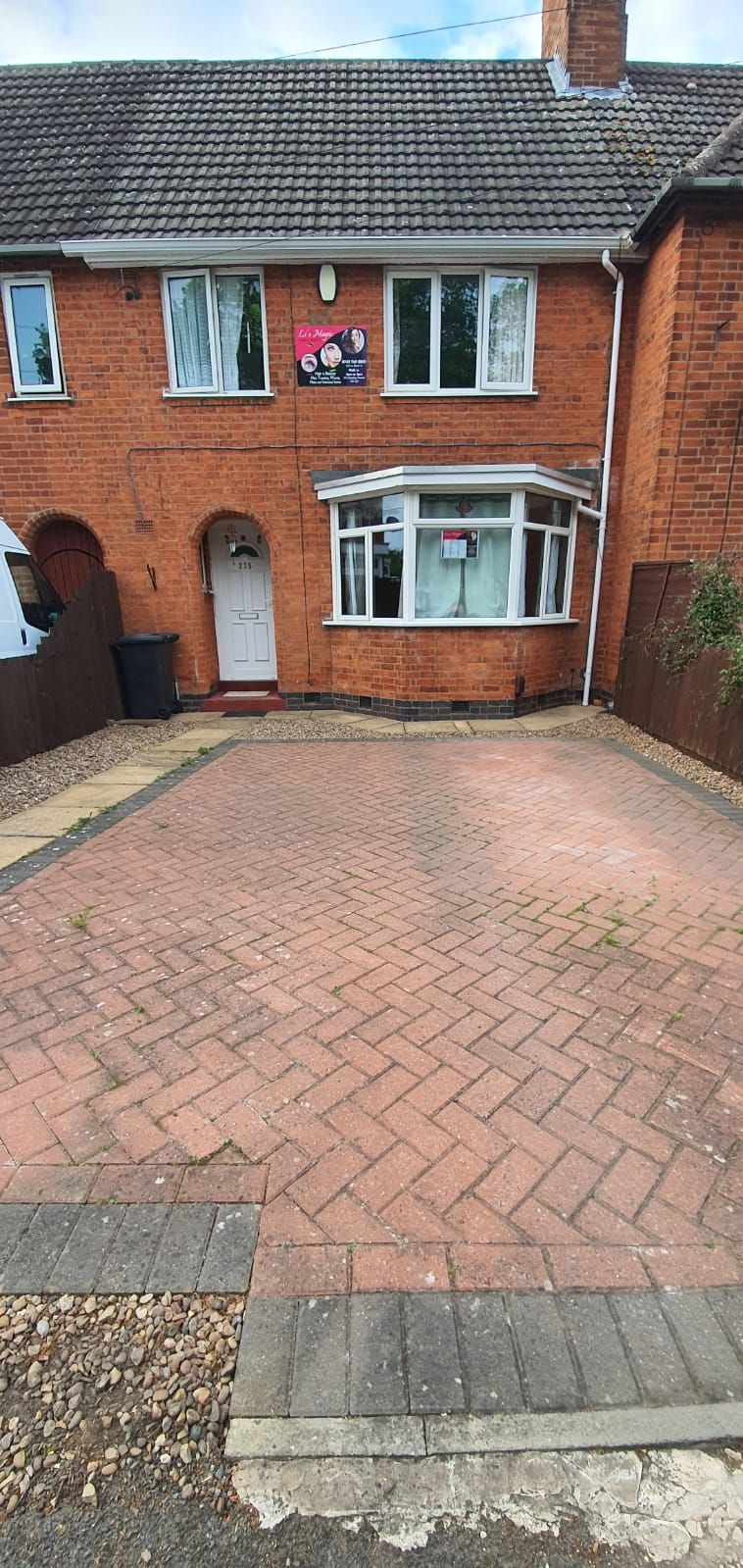 3 bedroom town house For Sale in Leicester - Photograph 1.