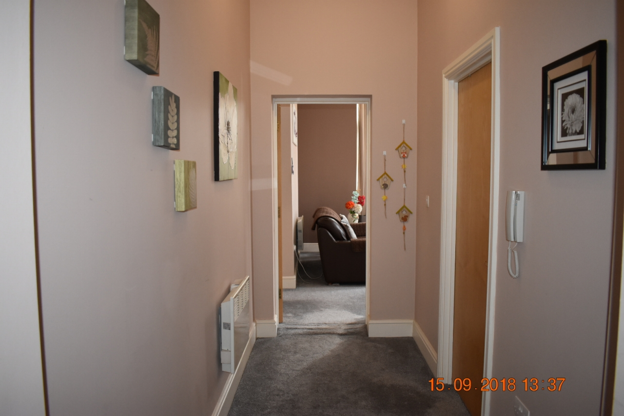 2 bedroom apartment flat/apartment SSTC in Leicester - Photograph 5.
