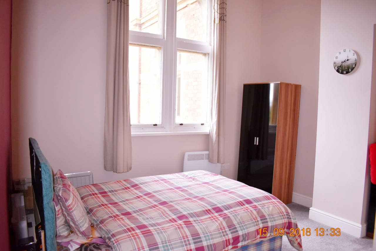 2 bedroom apartment flat/apartment SSTC in Leicester - Photograph 15.