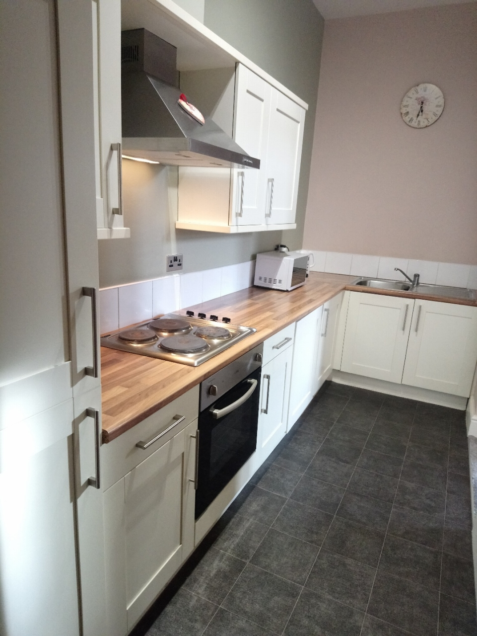 2 bedroom apartment flat/apartment SSTC in Leicester - Photograph 11.