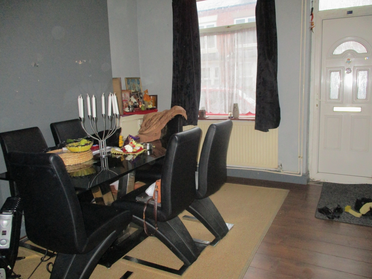 2 bedroom mid terraced house SSTC in Leicester - Photograph 3.