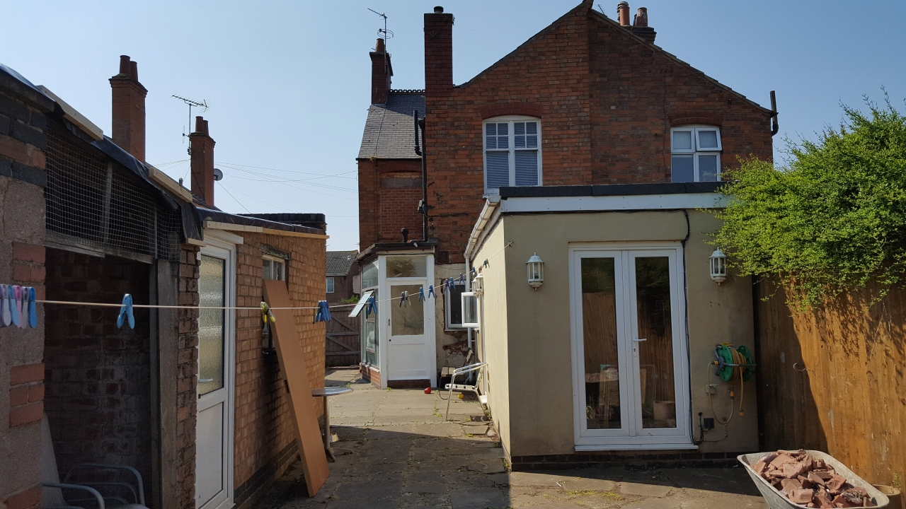 3 bedroom barn conversion house SSTC in Leicester - Photograph 12.