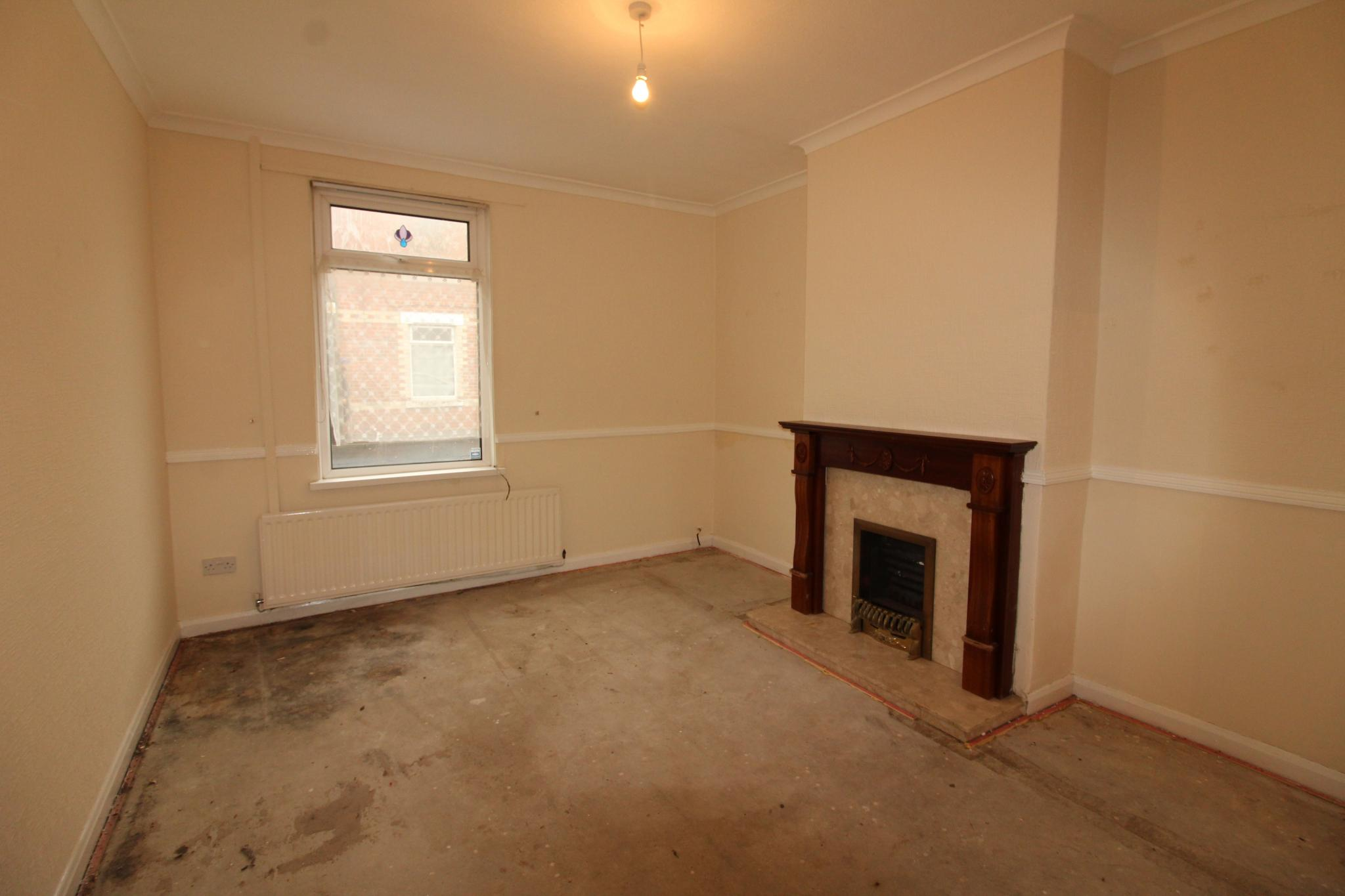 2 Bedroom Mid Terraced House For Sale - Living Room