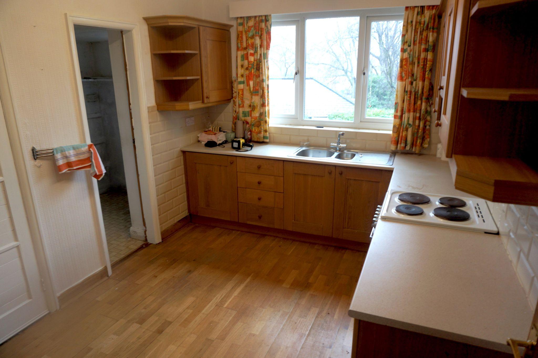 2 Bedroom Detached Bungalow For Sale - Kitchen