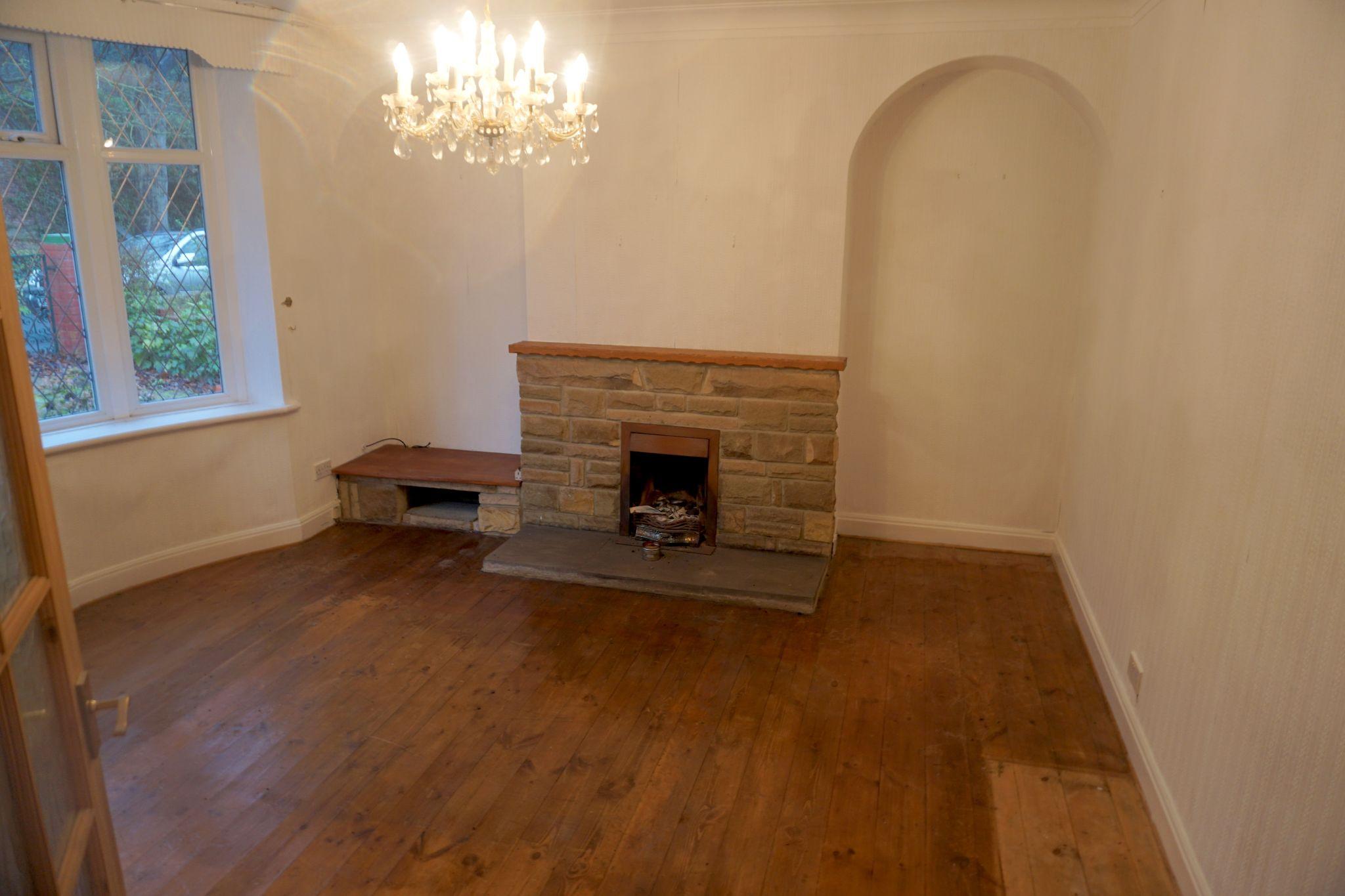 2 Bedroom Detached Bungalow For Sale - Living Room