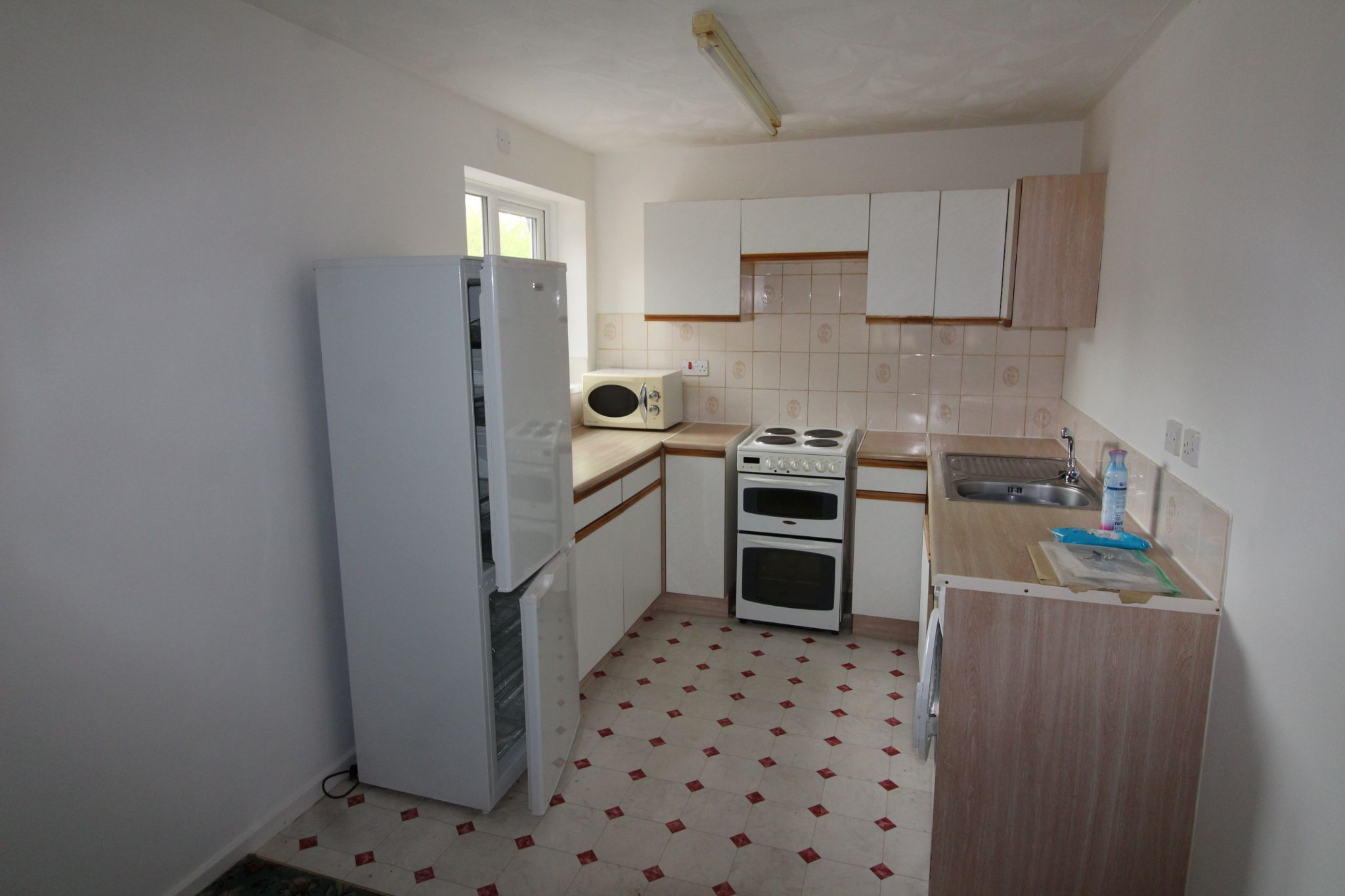 3 Bedroom Apartment Flat/apartment For Sale - Photograph 9