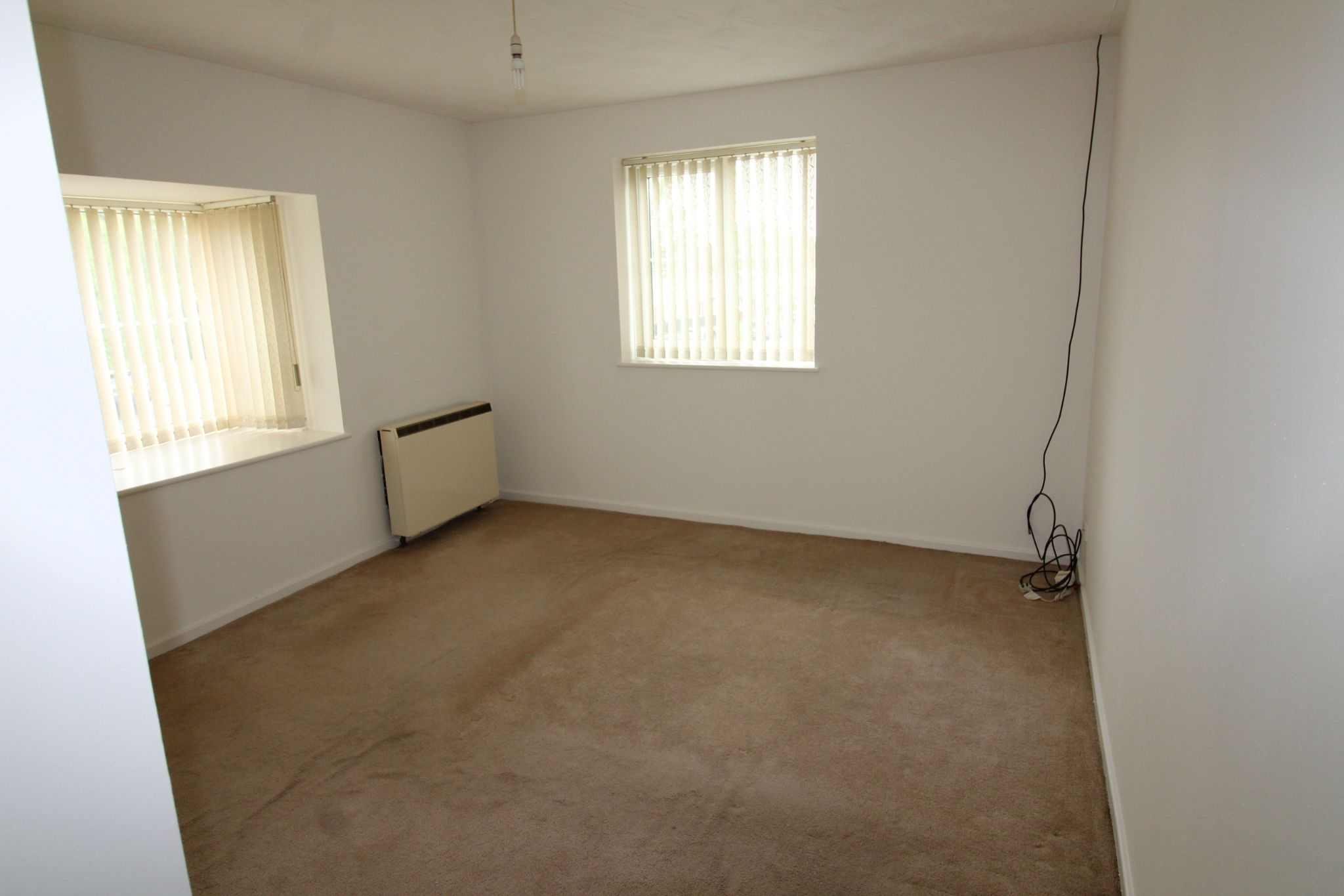 3 Bedroom Apartment Flat/apartment For Sale - Photograph 3