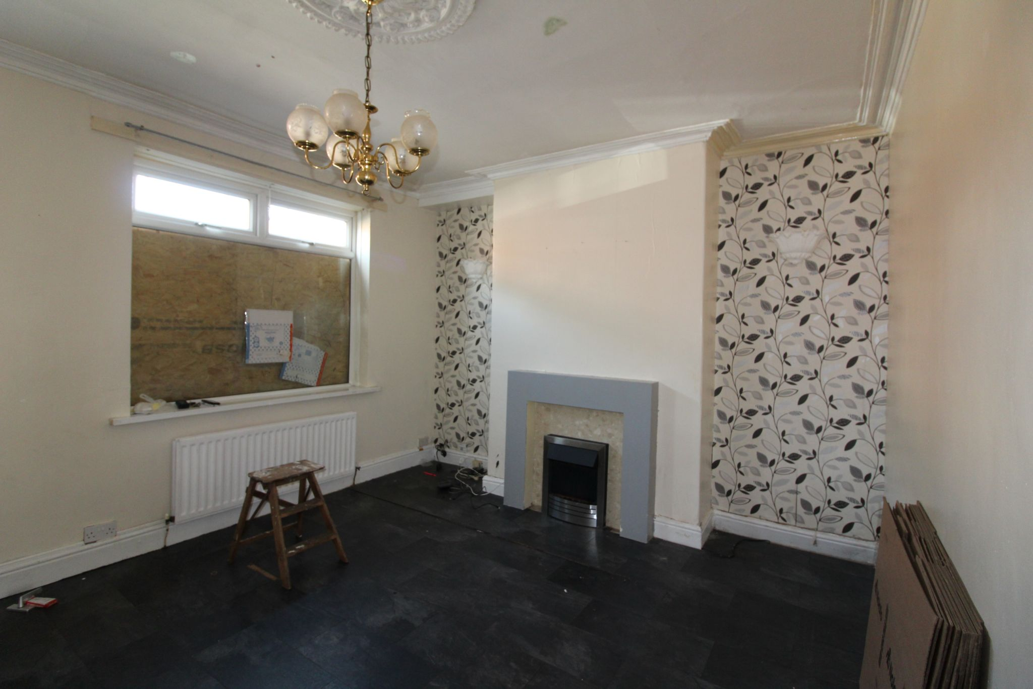 3 Bedroom End Terraced House For Sale - Photograph 11