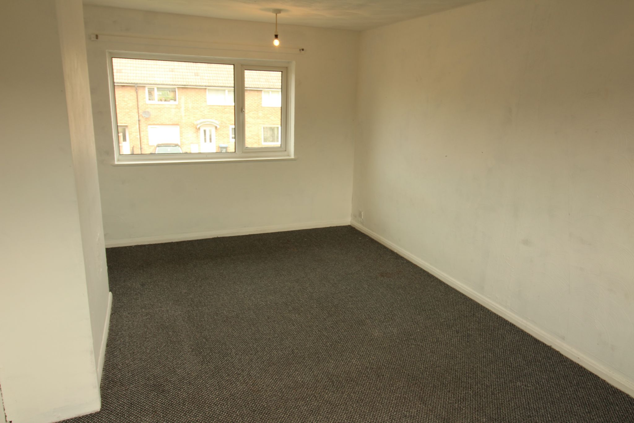 2 Bedroom Mid Terraced House For Sale - Photograph 4