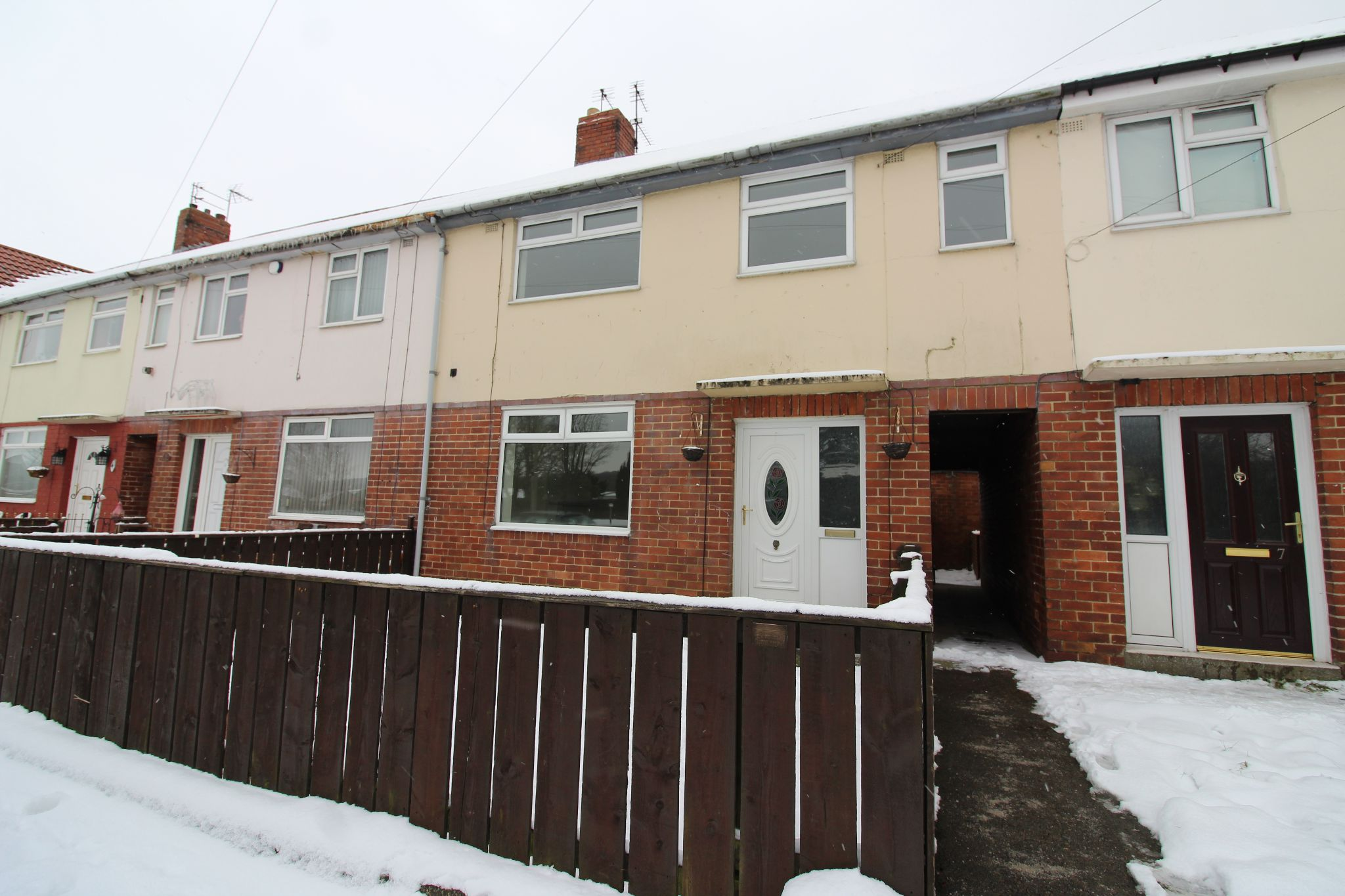 3 bedroom mid terraced house Let Agreed in Crook - Photograph 3.