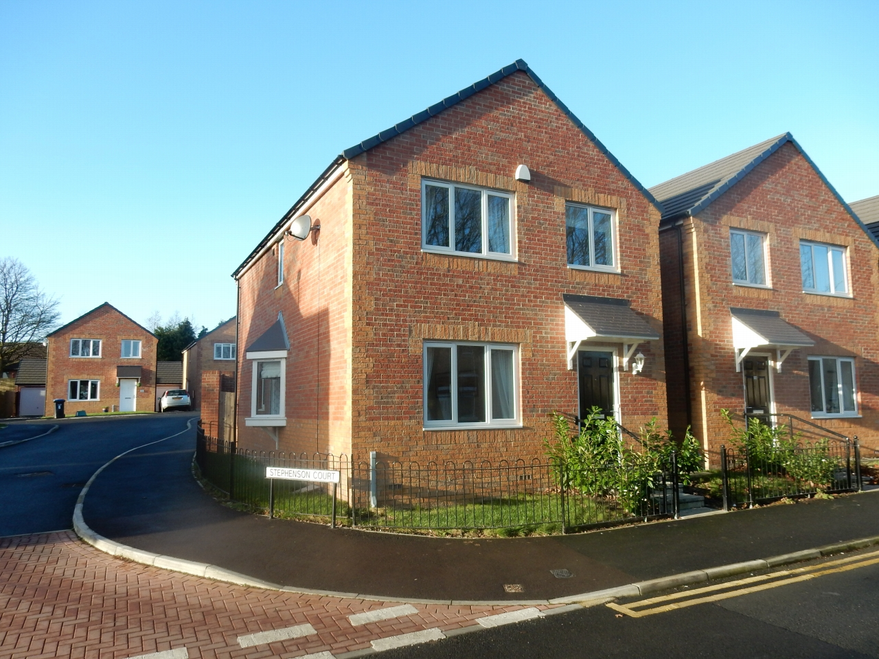 4 bedroom detached house Sale Agreed in County Durham - Photograph 1