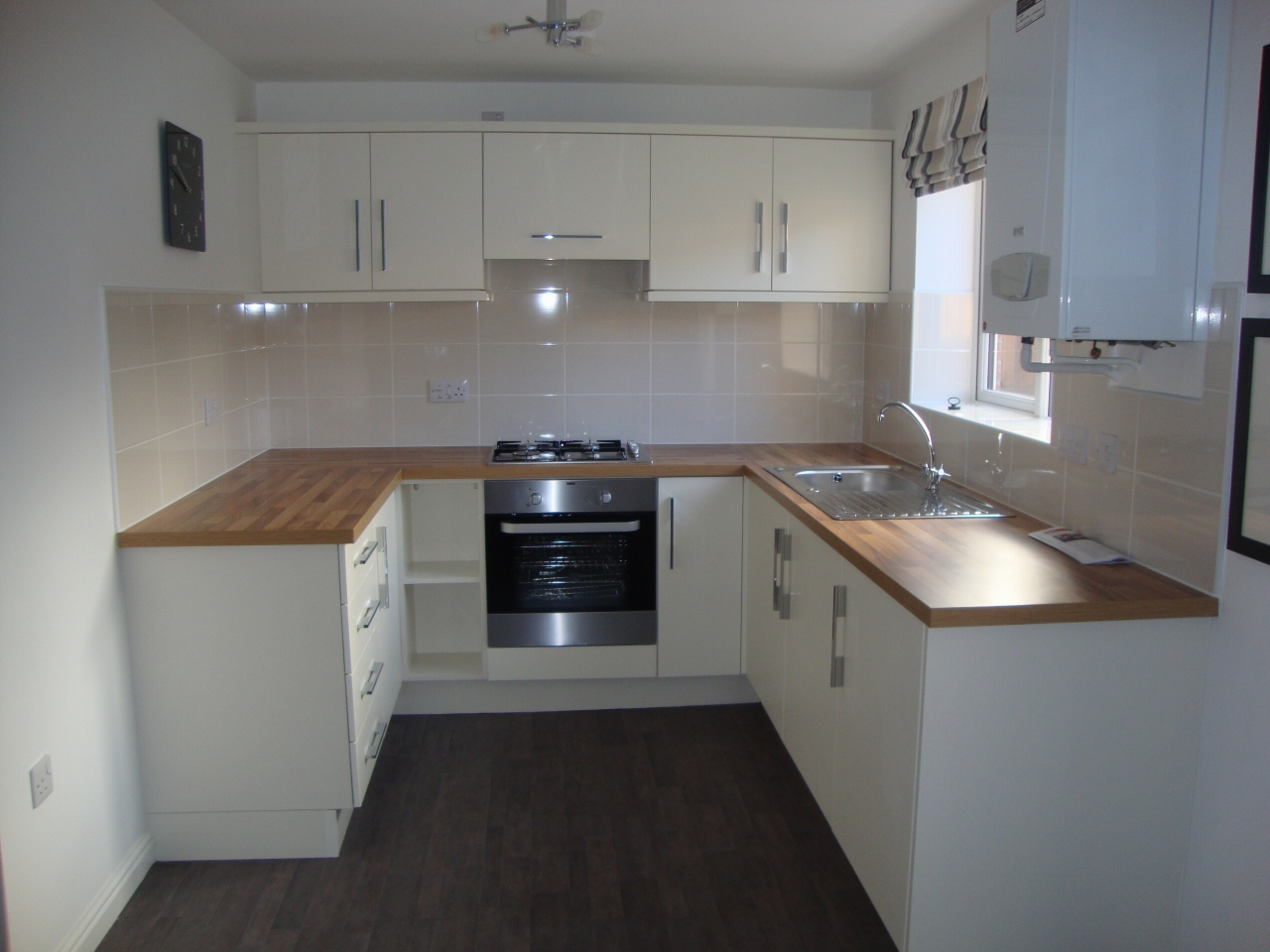4 bedroom detached house Sale Agreed in County Durham - Photograph 3