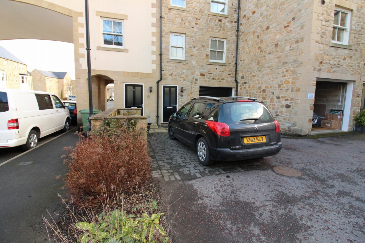 2 bedroom mid terraced house SSTC in Wolsingham - Photograph 10