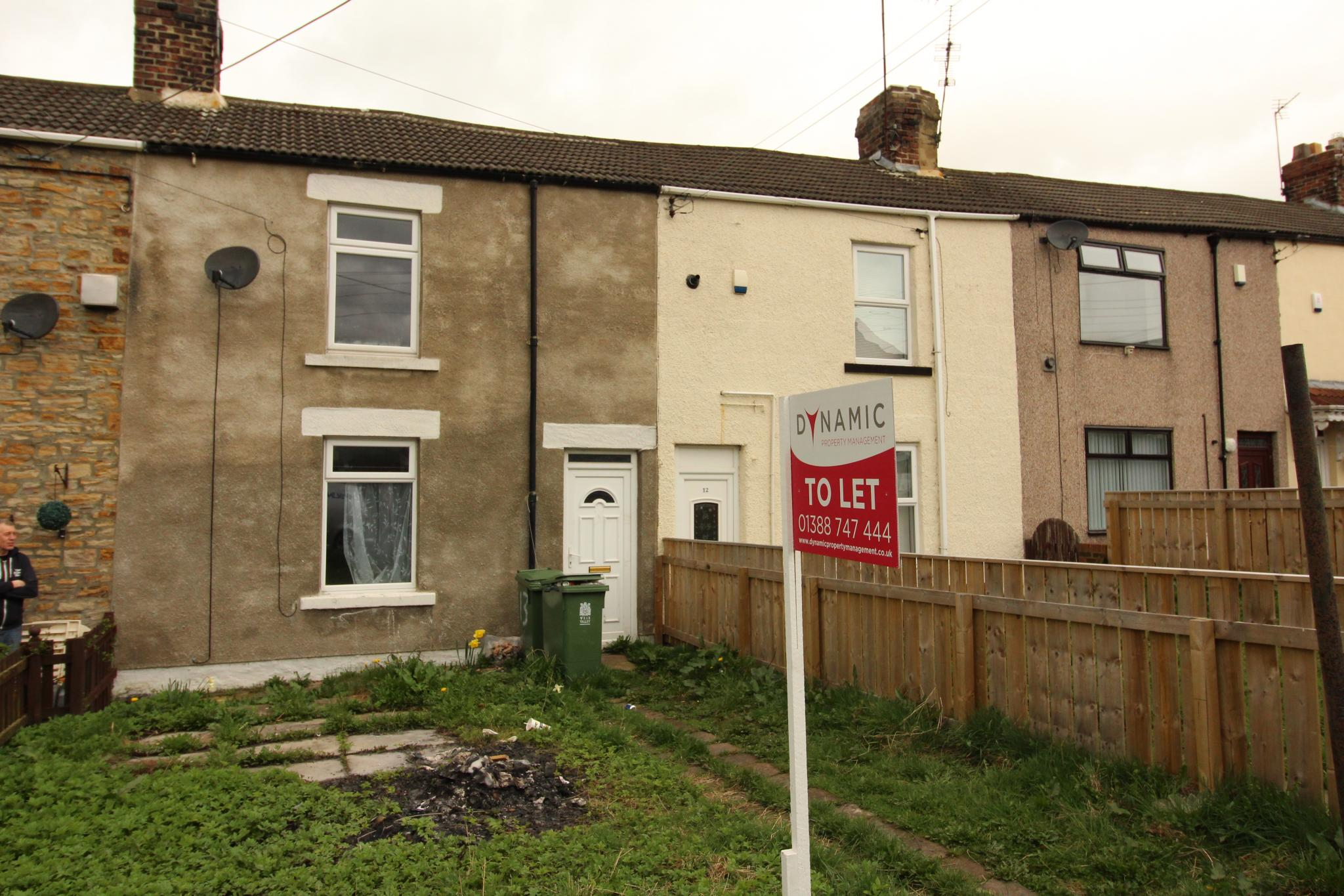 1 bedroom mid terraced house Let in Crook - Photograph 1.