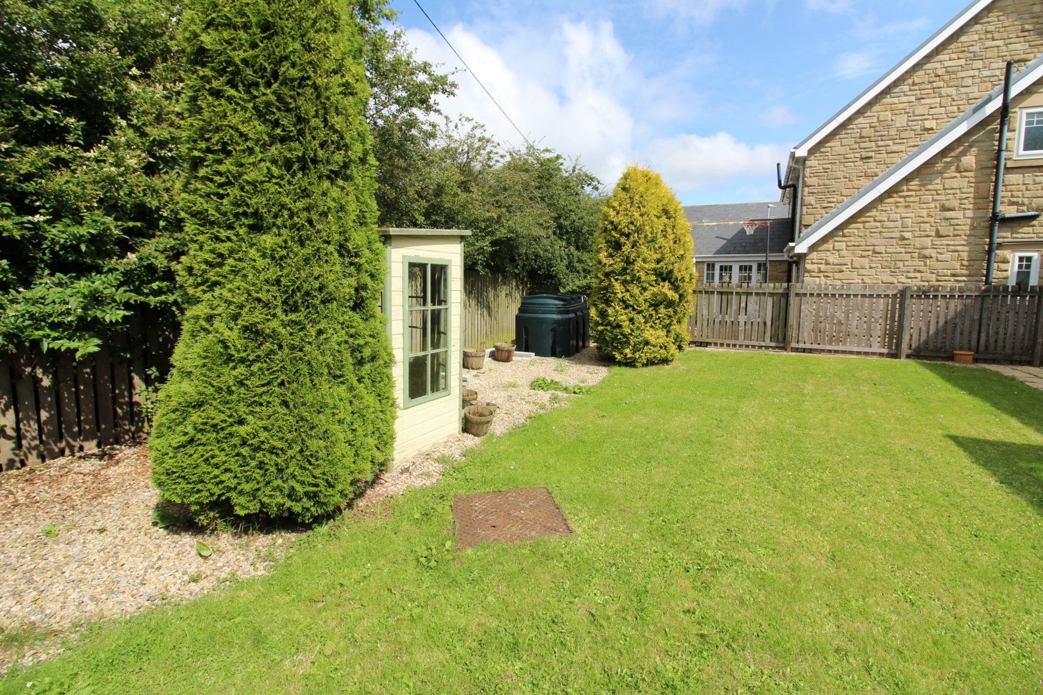 7 bedroom detached house Sale Agreed in Sunniside - Photograph 4.