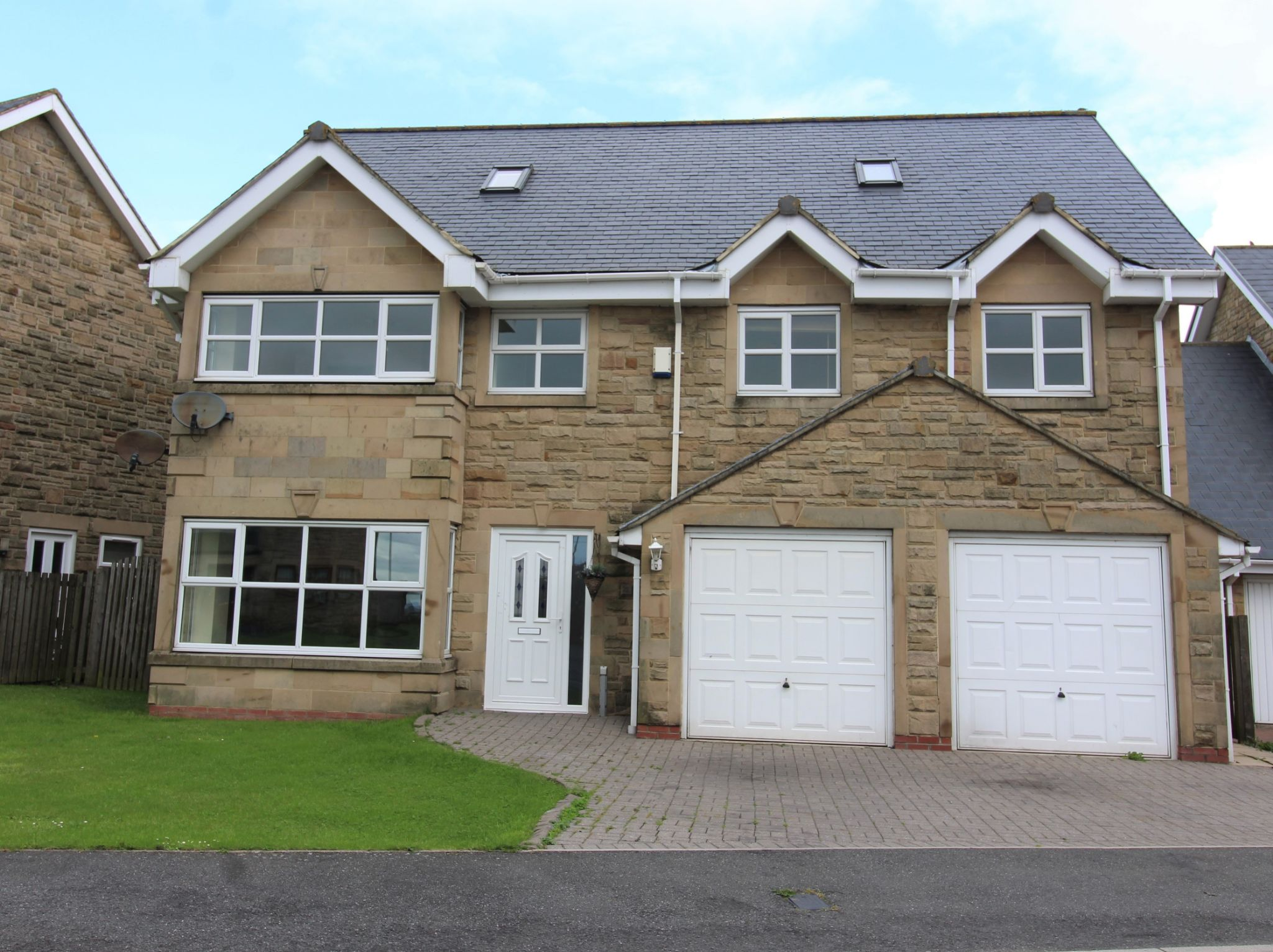 7 bedroom detached house SSTC in Sunniside - Photograph 1.