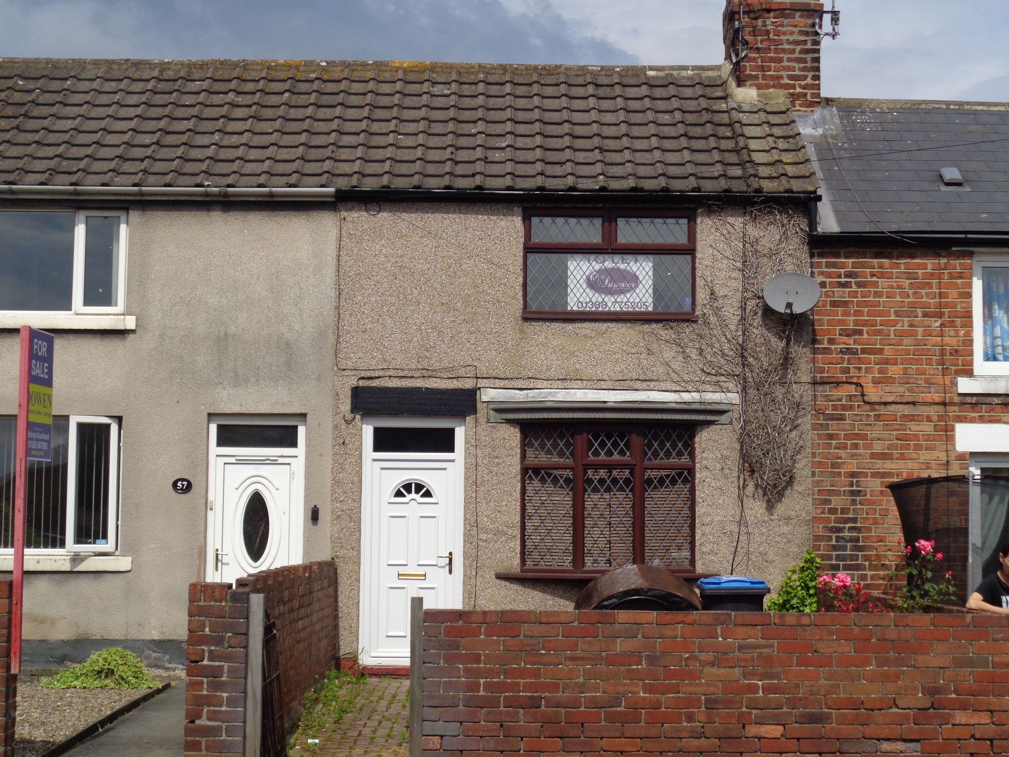 2 bedroom mid terraced house To Let in Crook - Photograph 1.