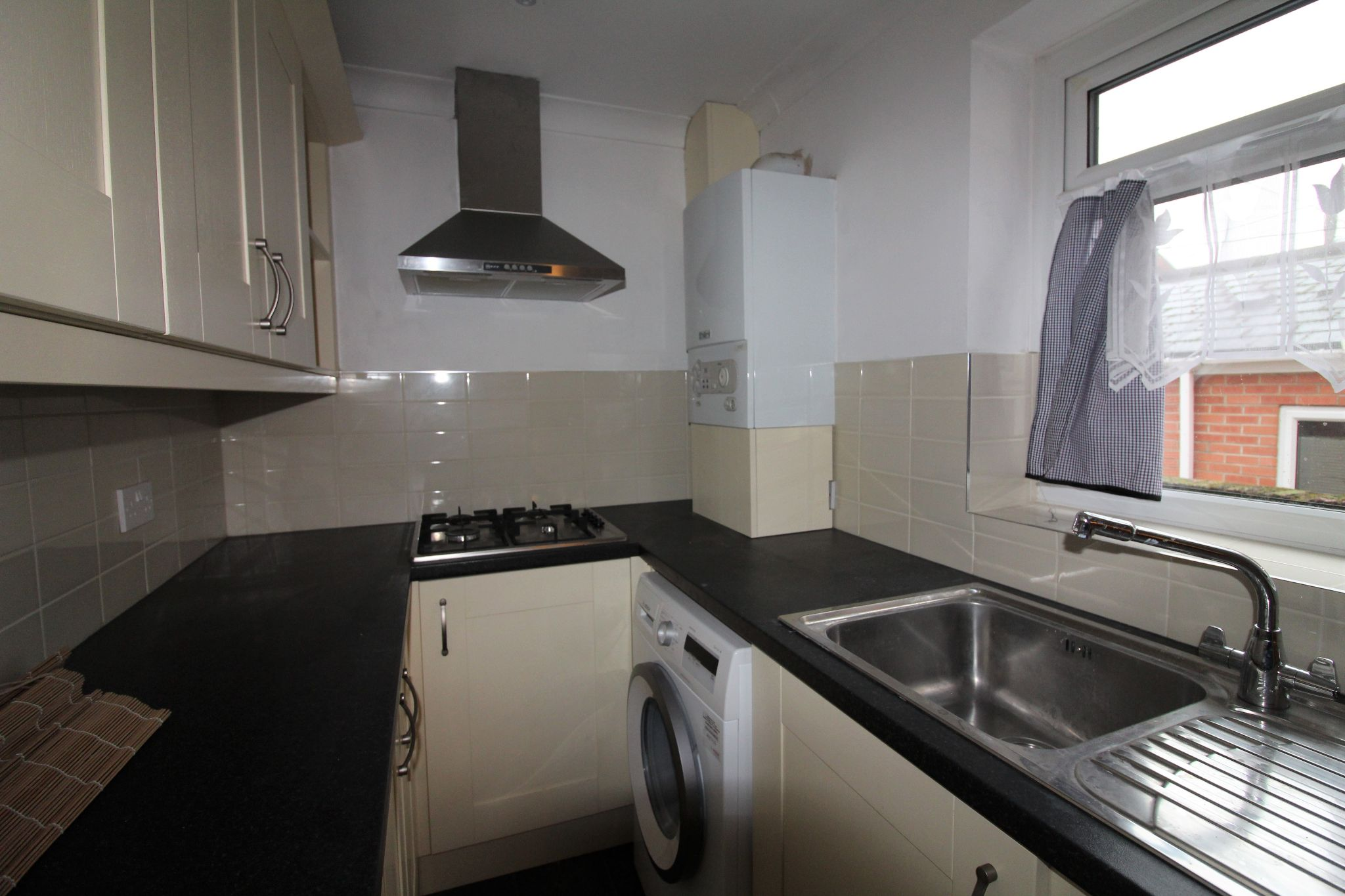 2 bedroom mid terraced house Let in Bishop Auckland - Photograph 13.