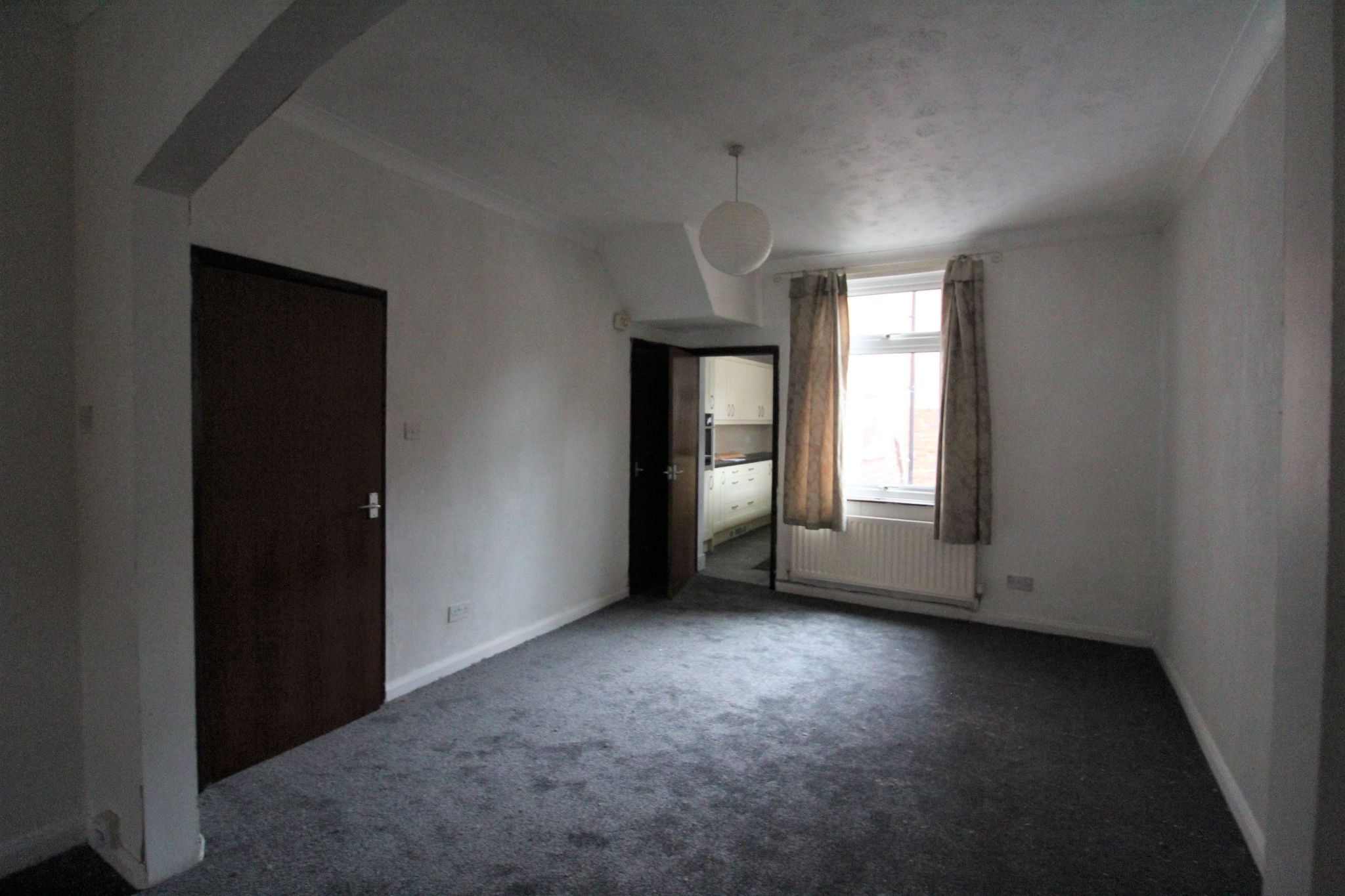 2 bedroom mid terraced house Let in Bishop Auckland - Photograph 8.
