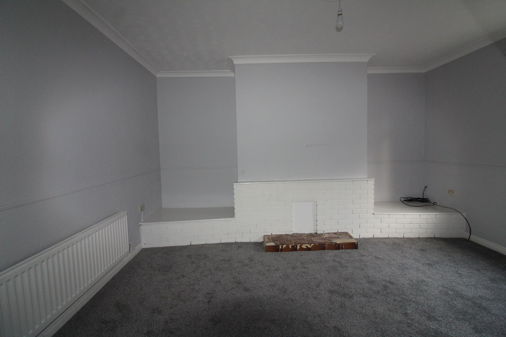 2 bedroom mid terraced house To Let in Ferryhill - Property photograph.