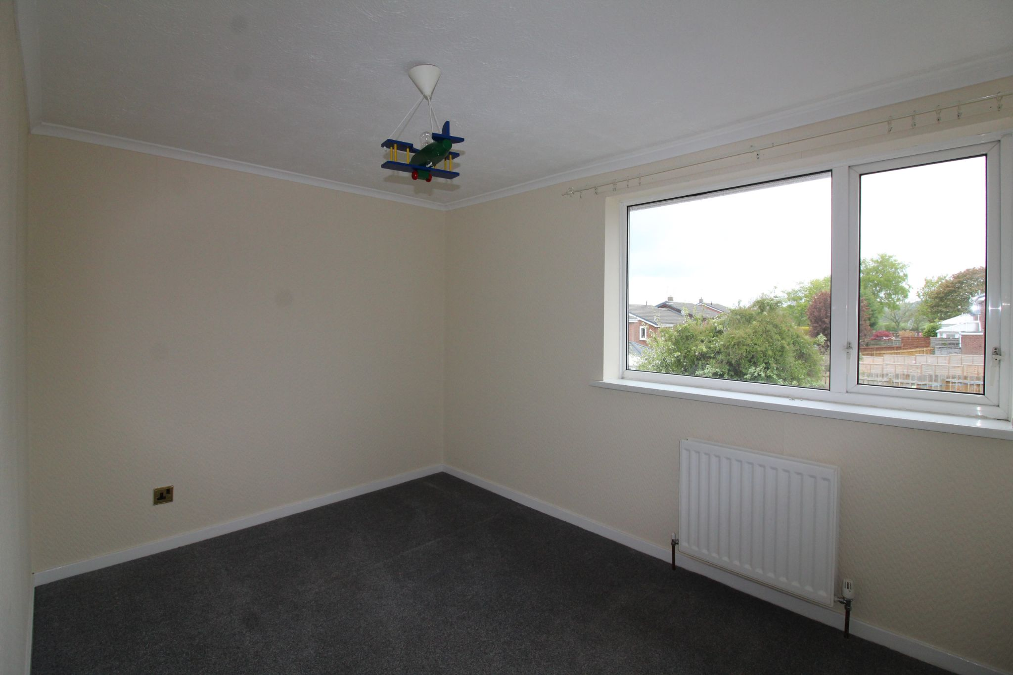 2 bedroom mid terraced house For Sale in Durham - Photograph 8.