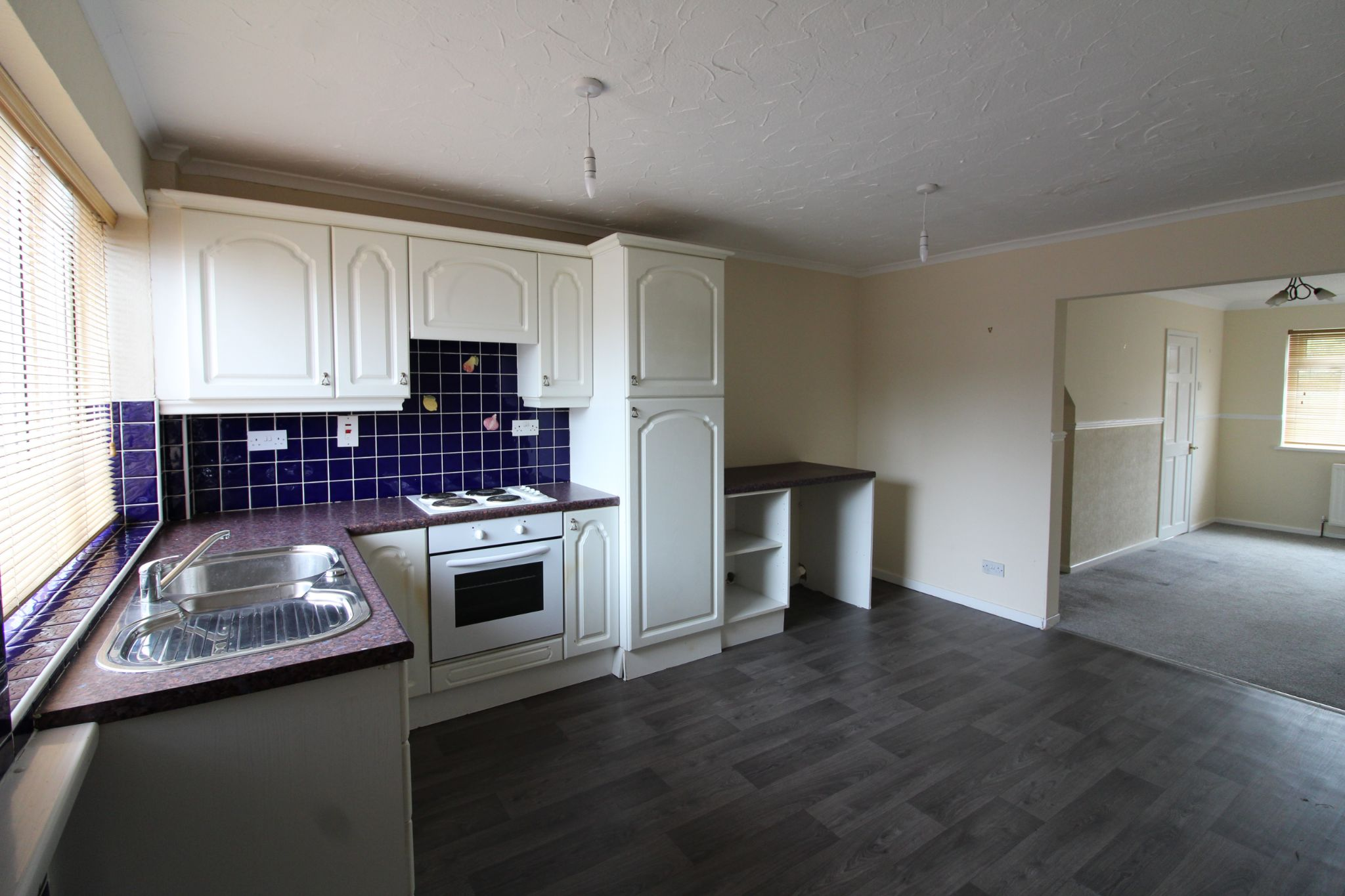 2 bedroom mid terraced house For Sale in Durham - Photograph 4.