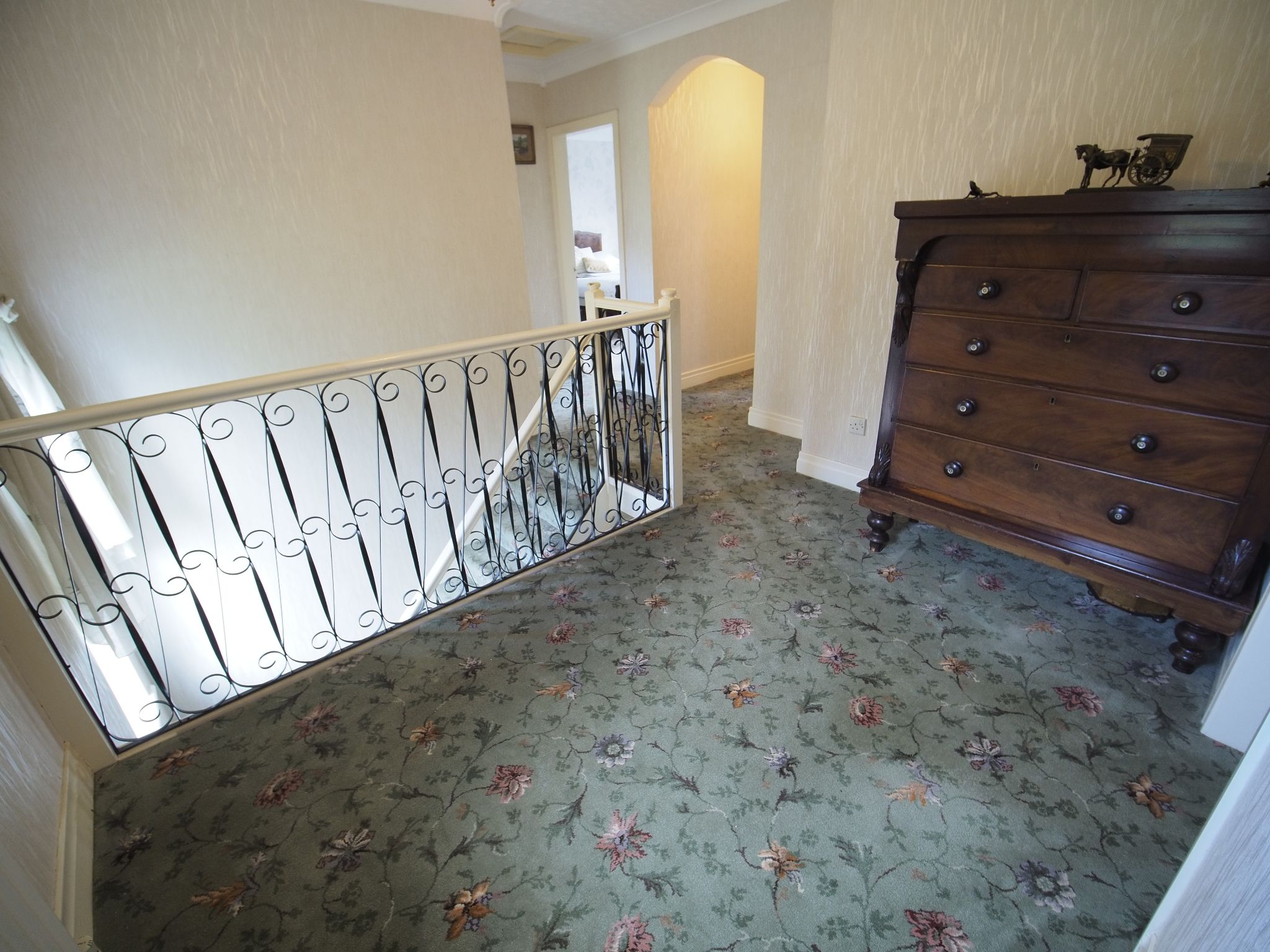 4 bedroom detached house For Sale in Willington - Landing.