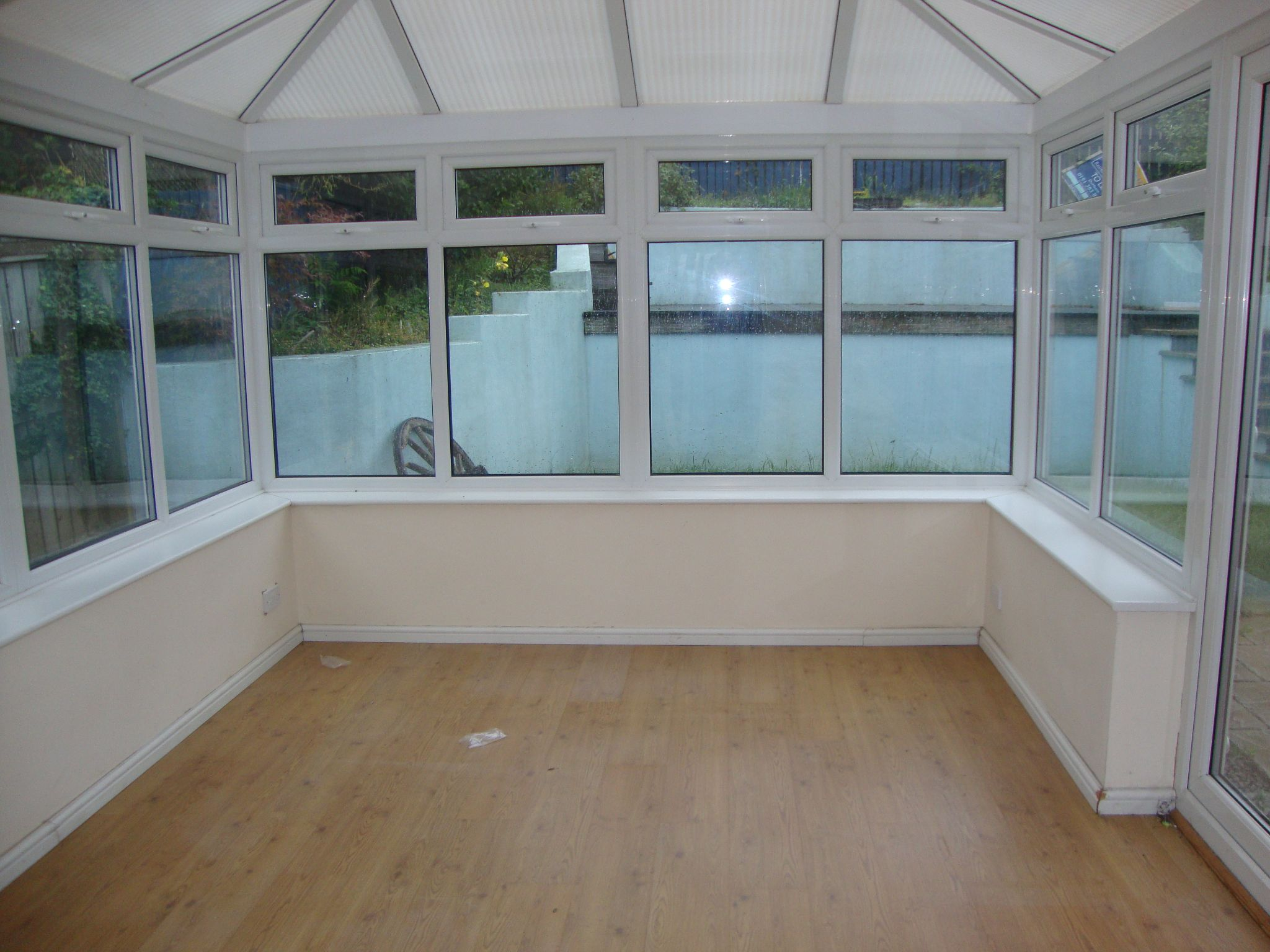 4 bedroom detached house For Sale in Durham - Conservatory.