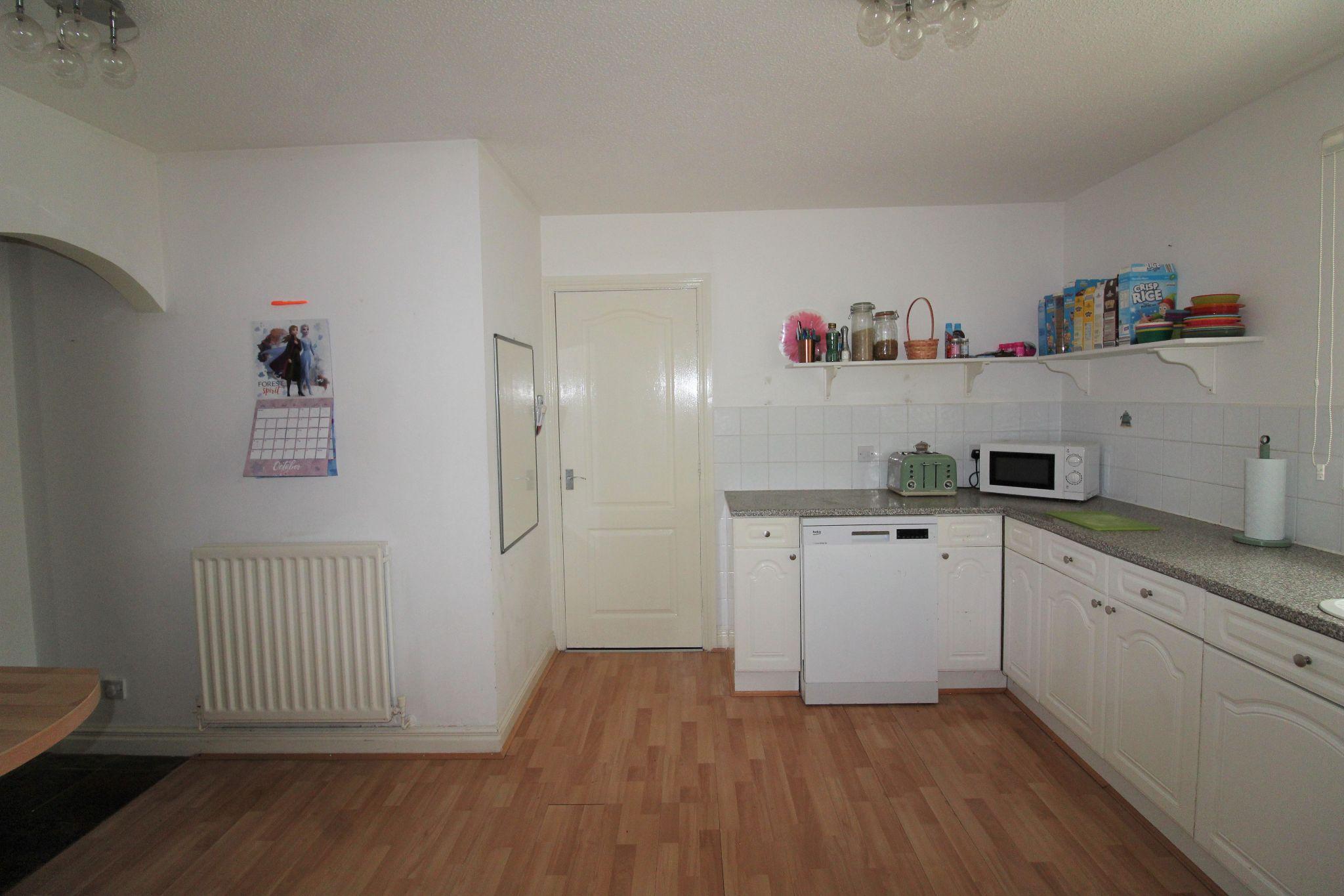 4 bedroom detached house Sale Agreed in Durham - Kitchen.