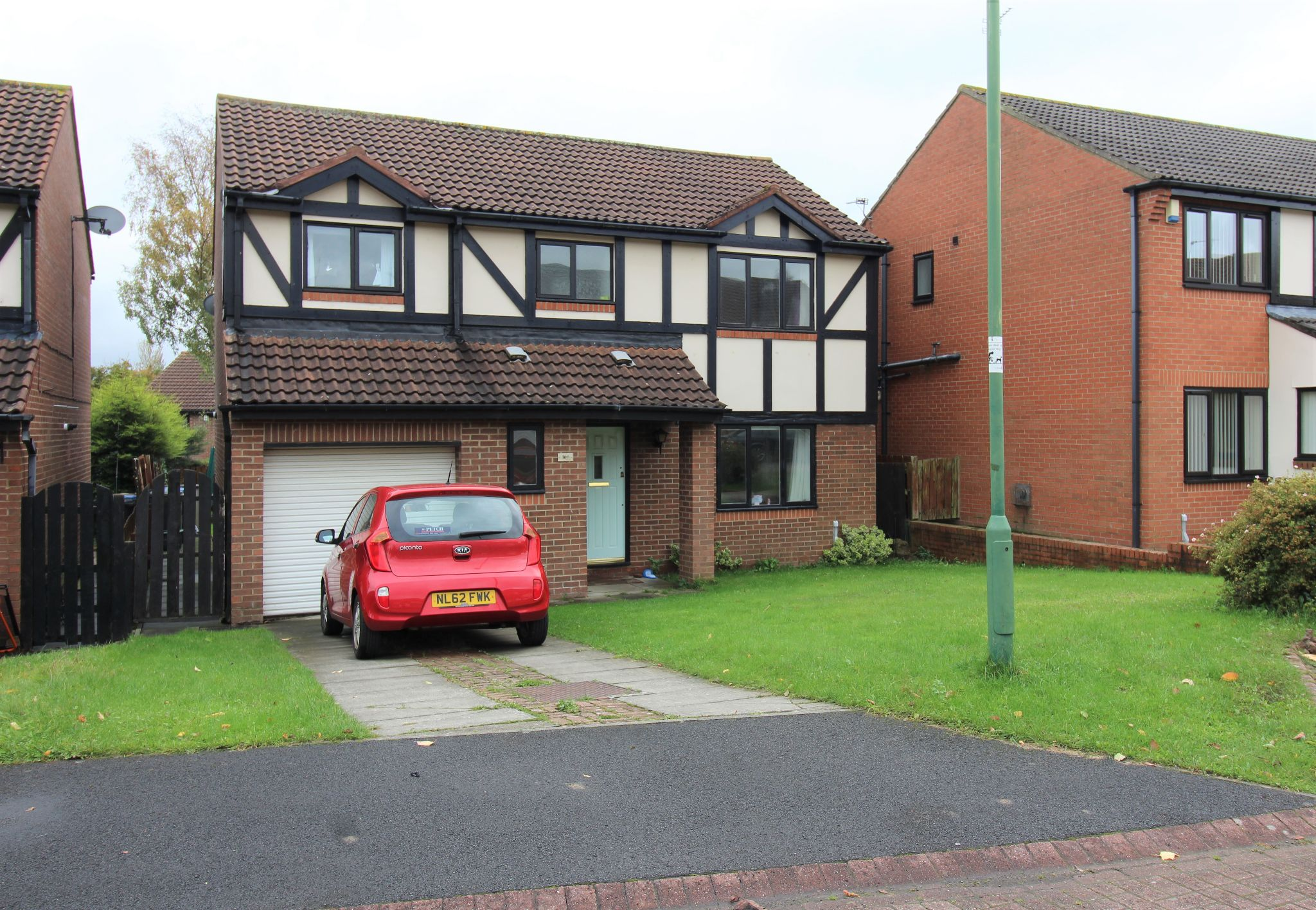 4 bedroom detached house Sale Agreed in Durham - Front of House.