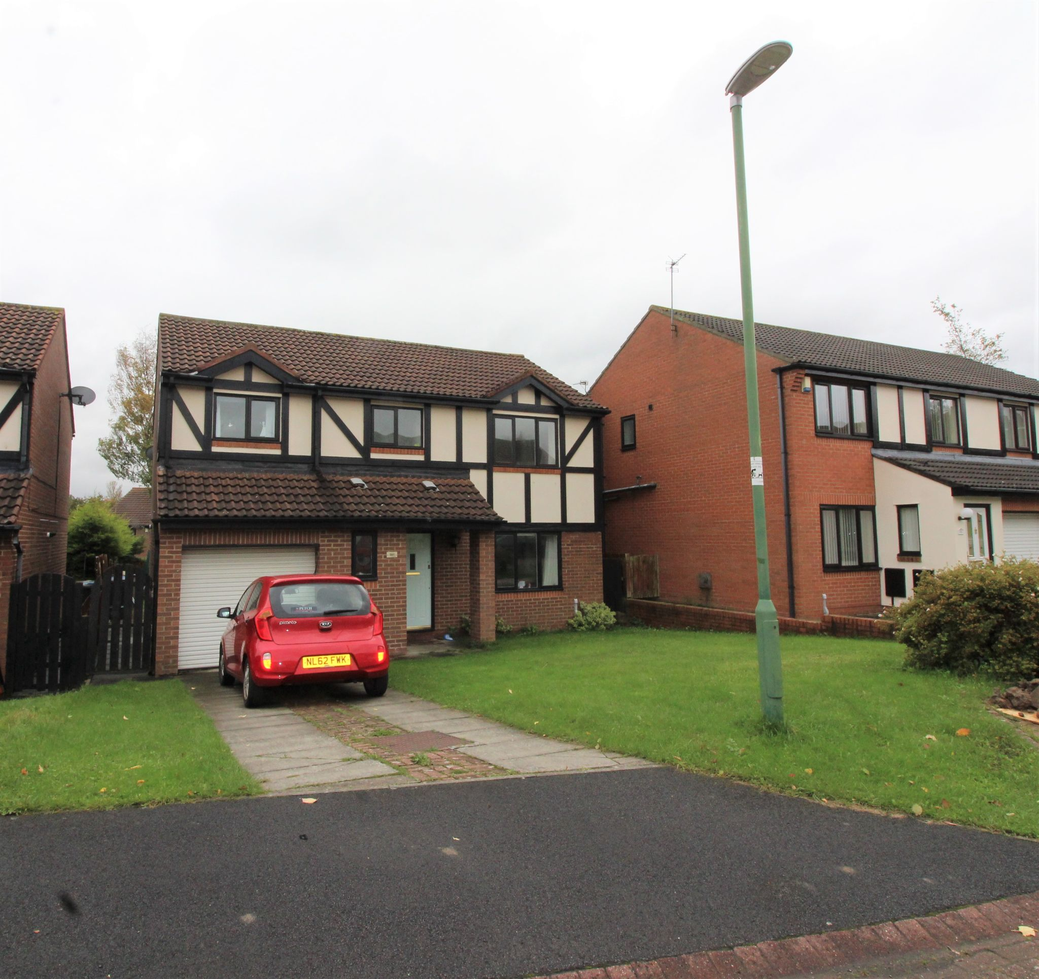 4 bedroom detached house Sale Agreed in Durham - View from the road.