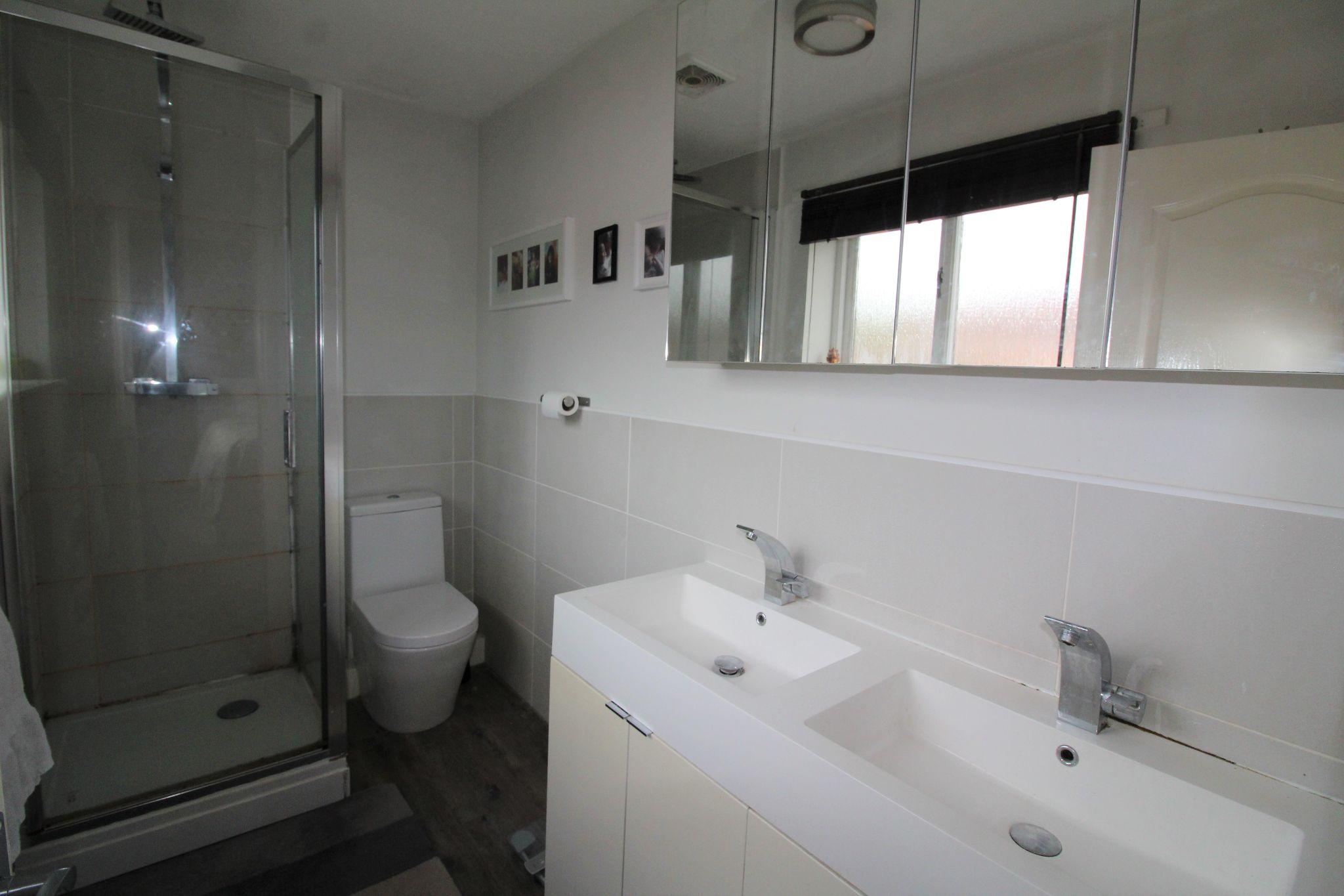 4 bedroom detached house Sale Agreed in Durham - Ensuite Shower Room.