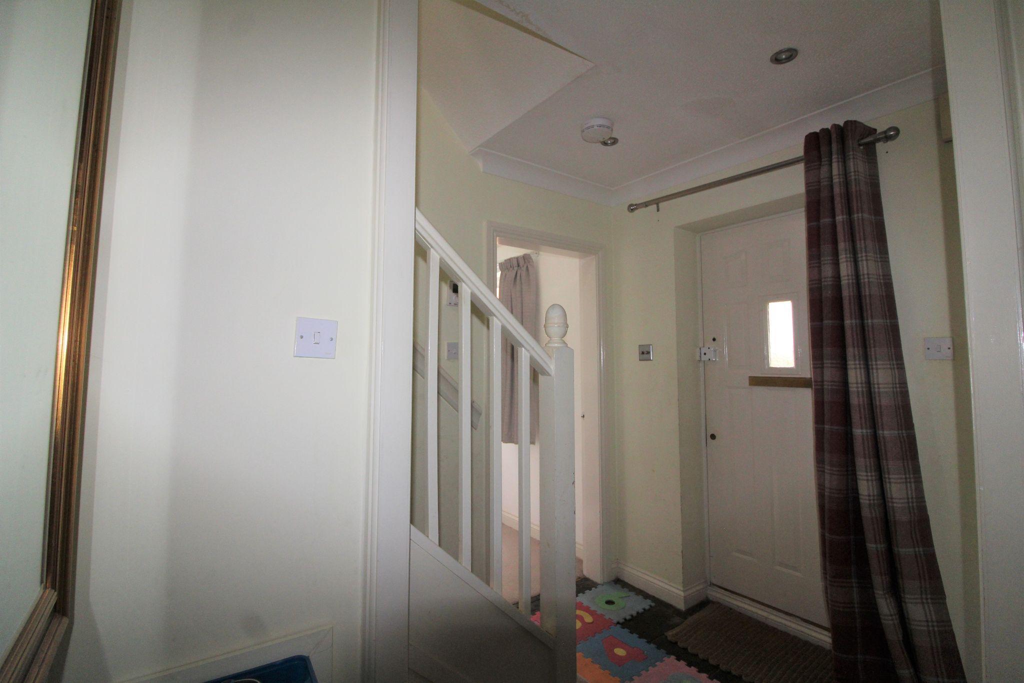 4 bedroom detached house Sale Agreed in Durham - Entrance Hall.