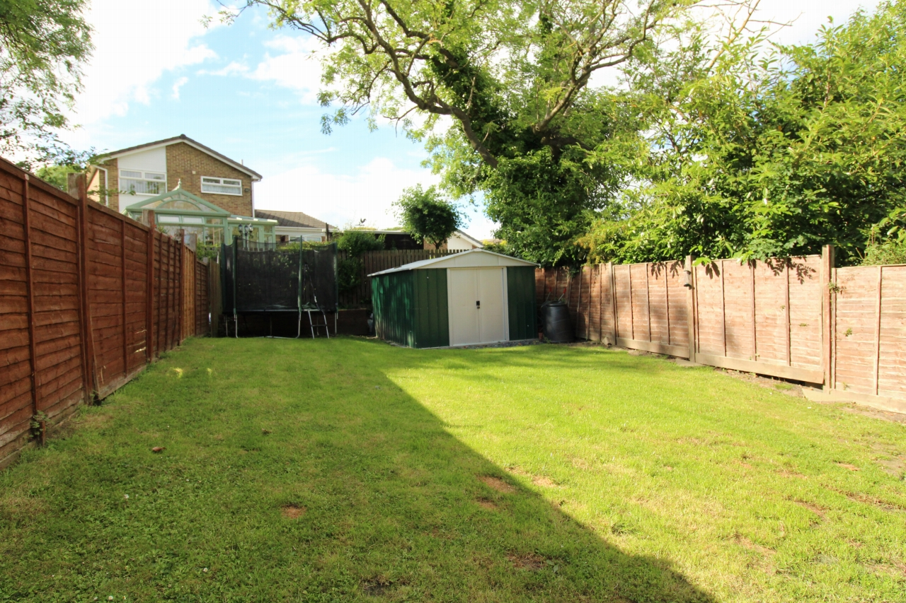 3 bedroom semi-detached house For Sale in Crook - Photograph 10.