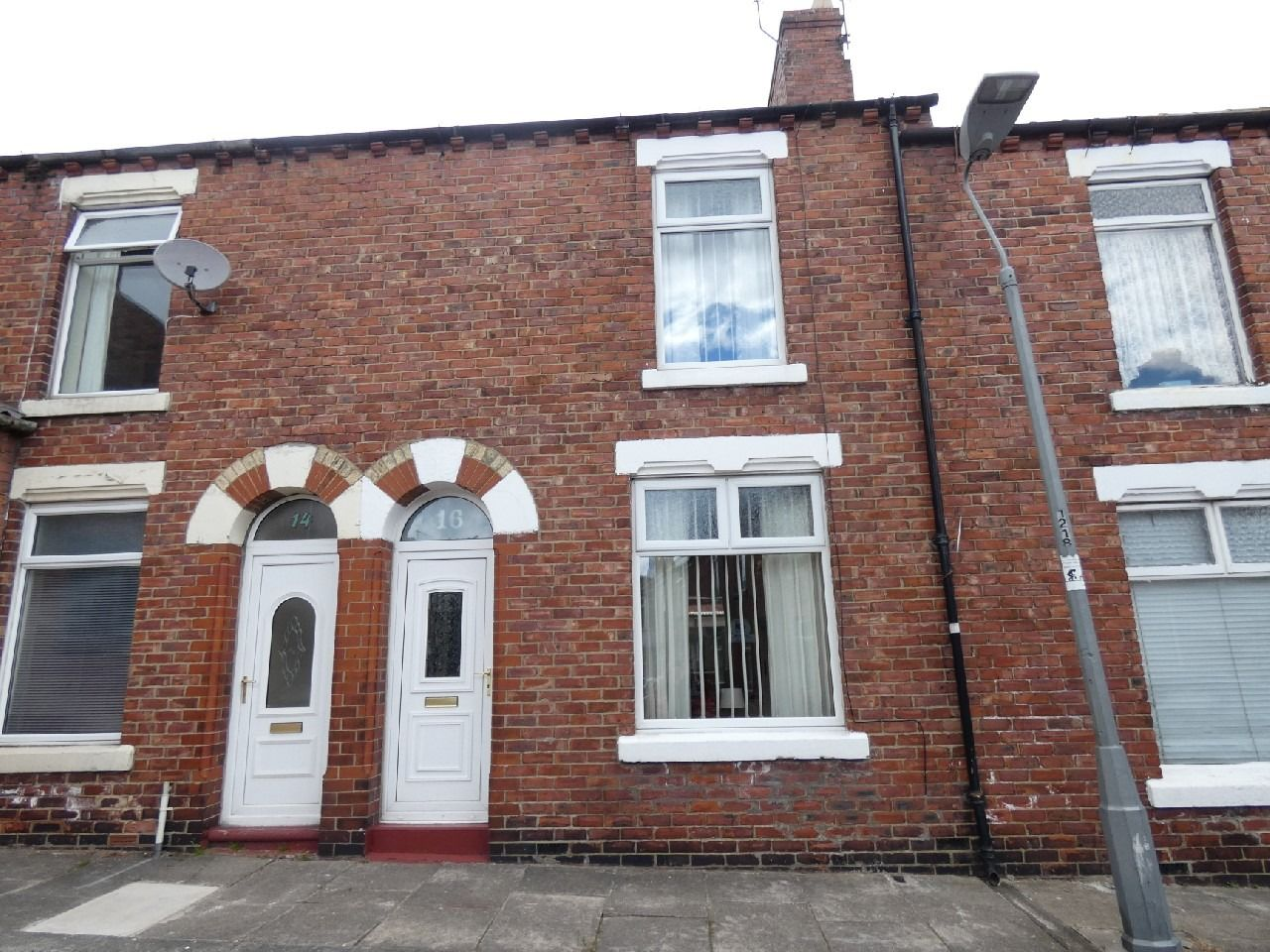 2 bedroom mid terraced house To Let in Durham - Photograph 1.