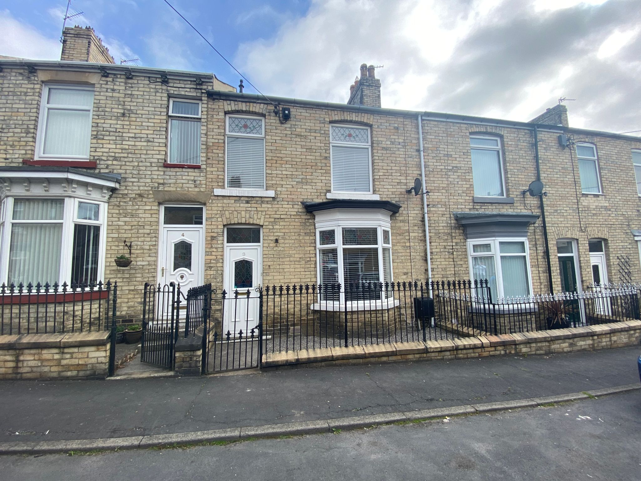 3 bedroom mid terraced house Sale Agreed in Crook - Photograph 1.