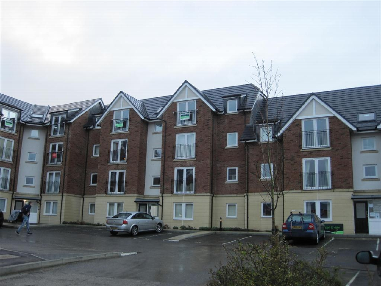 2 bedroom apartment flat/apartment Let in Durham - Photograph 1.