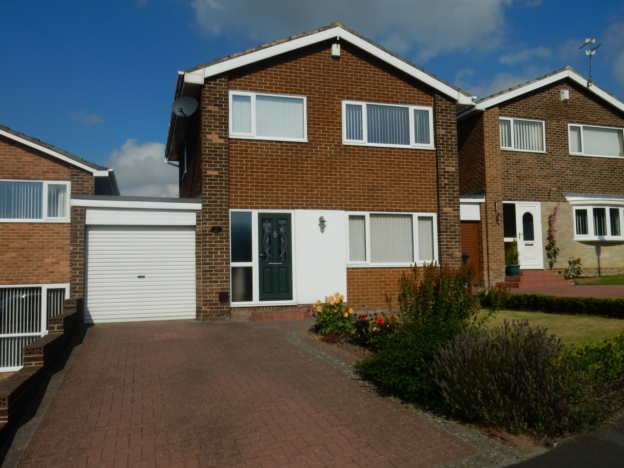 3 bedroom mid terraced house Let in Durham - Photograph 1.