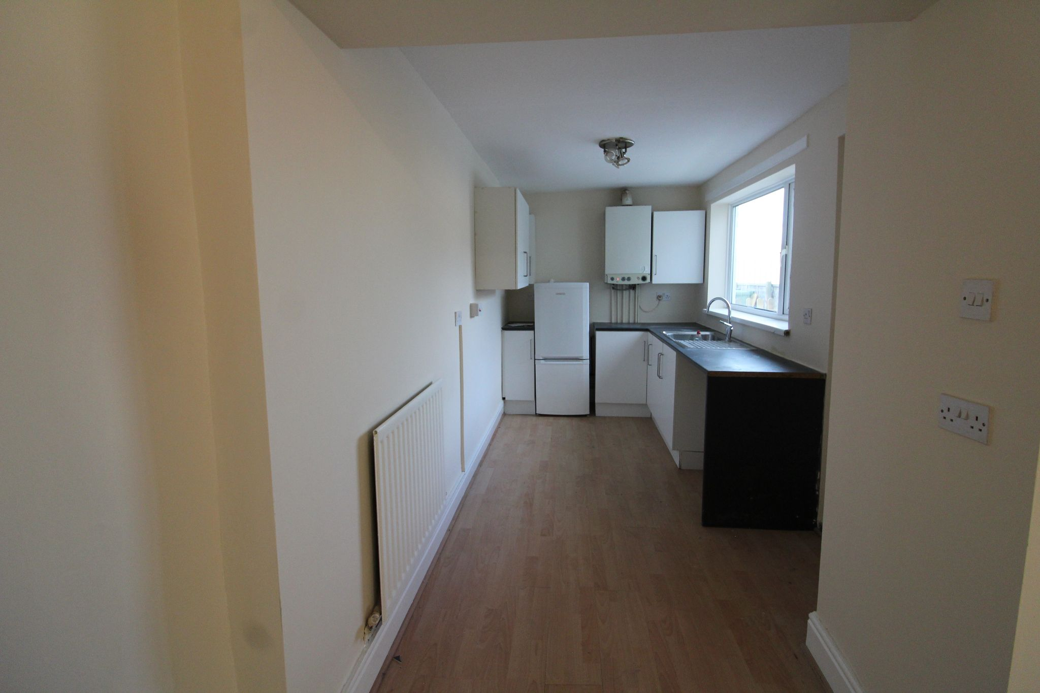 2 bedroom mid terraced house To Let in Bishop Auckland - Photograph 5.