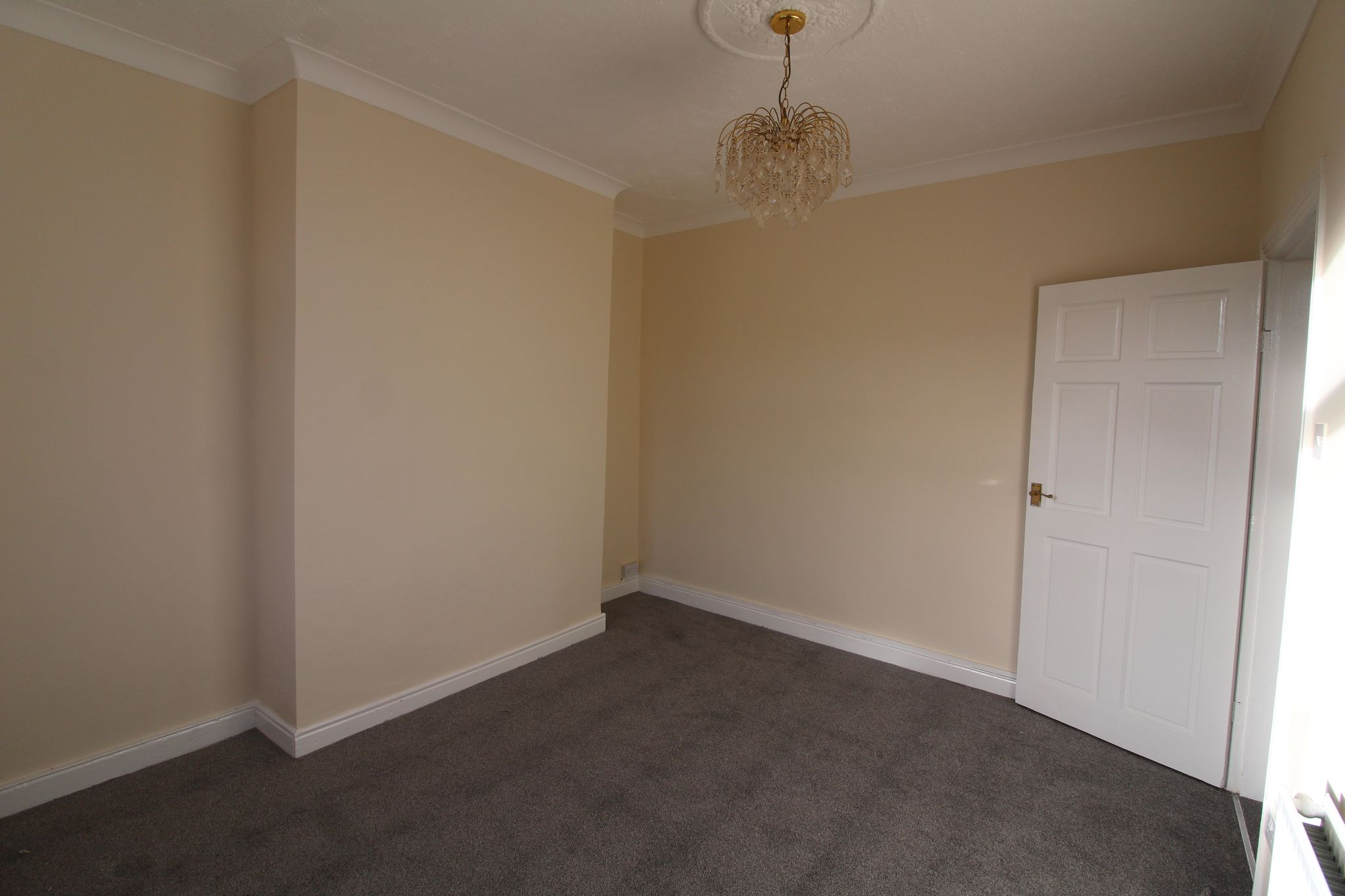 2 bedroom mid terraced house To Let in Bishop Auckland - Property photograph.
